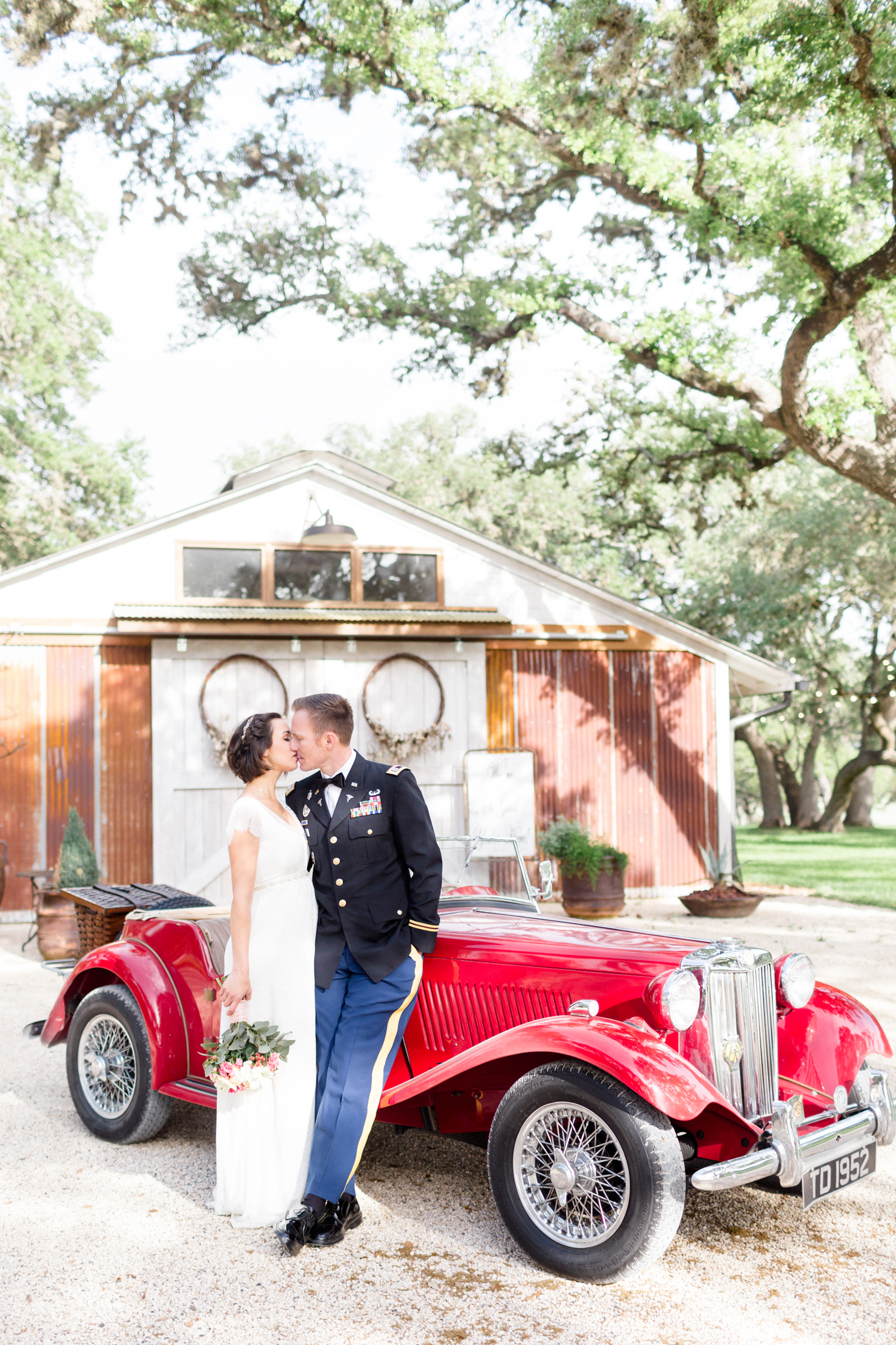 San Antonio Texas Wedding Engagement Photographer Photography Hill Country Oaks At Boerne Spring Wedding San Antonio photographer 42