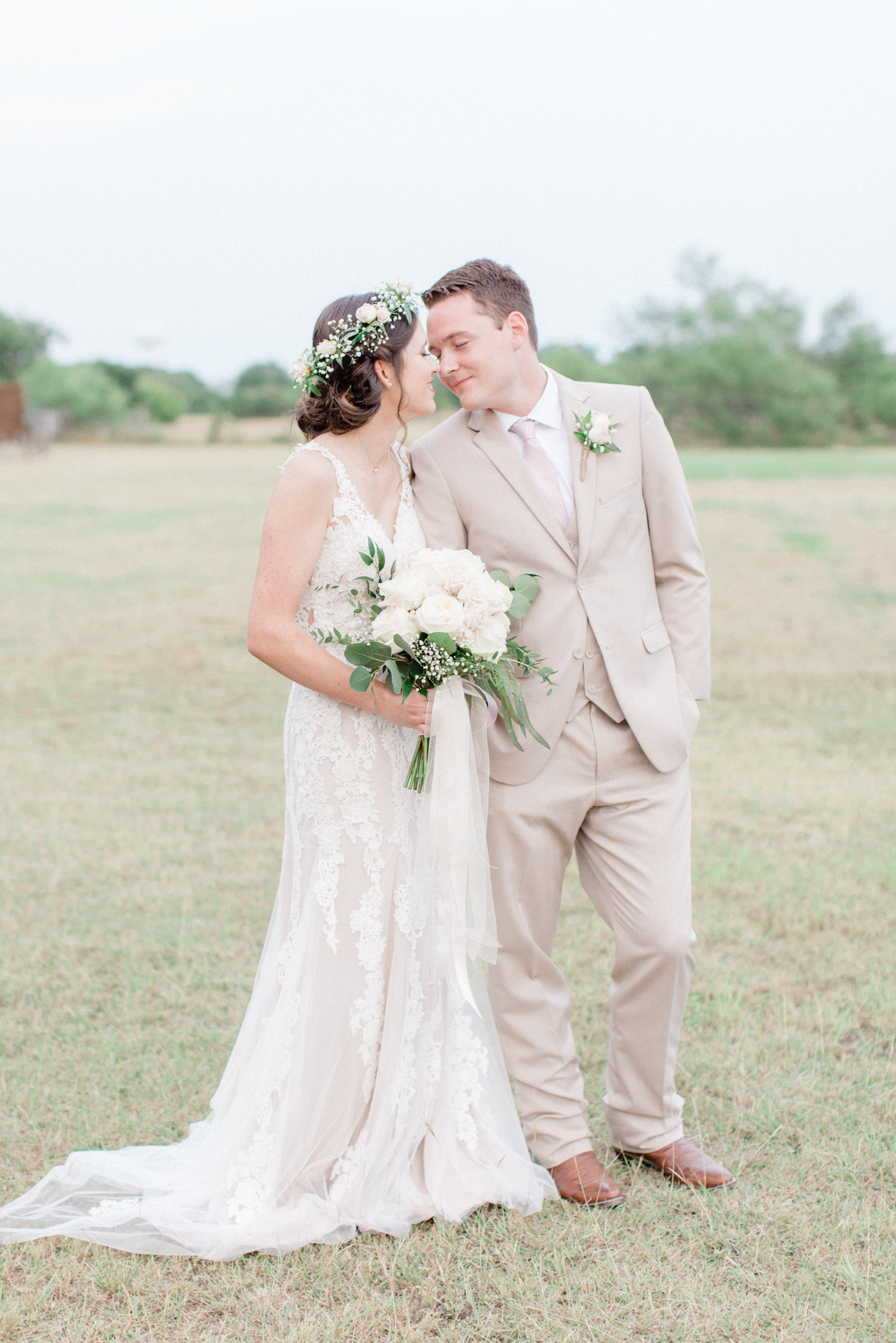 San Antonio Texas Wedding Engagement Photographer Photography Hill Country Texas Old Town Red Bud Hall Summer Blush Ivory Tan Rustic Classic Elegant Wedding San Antonio Austin Texas photographer 59