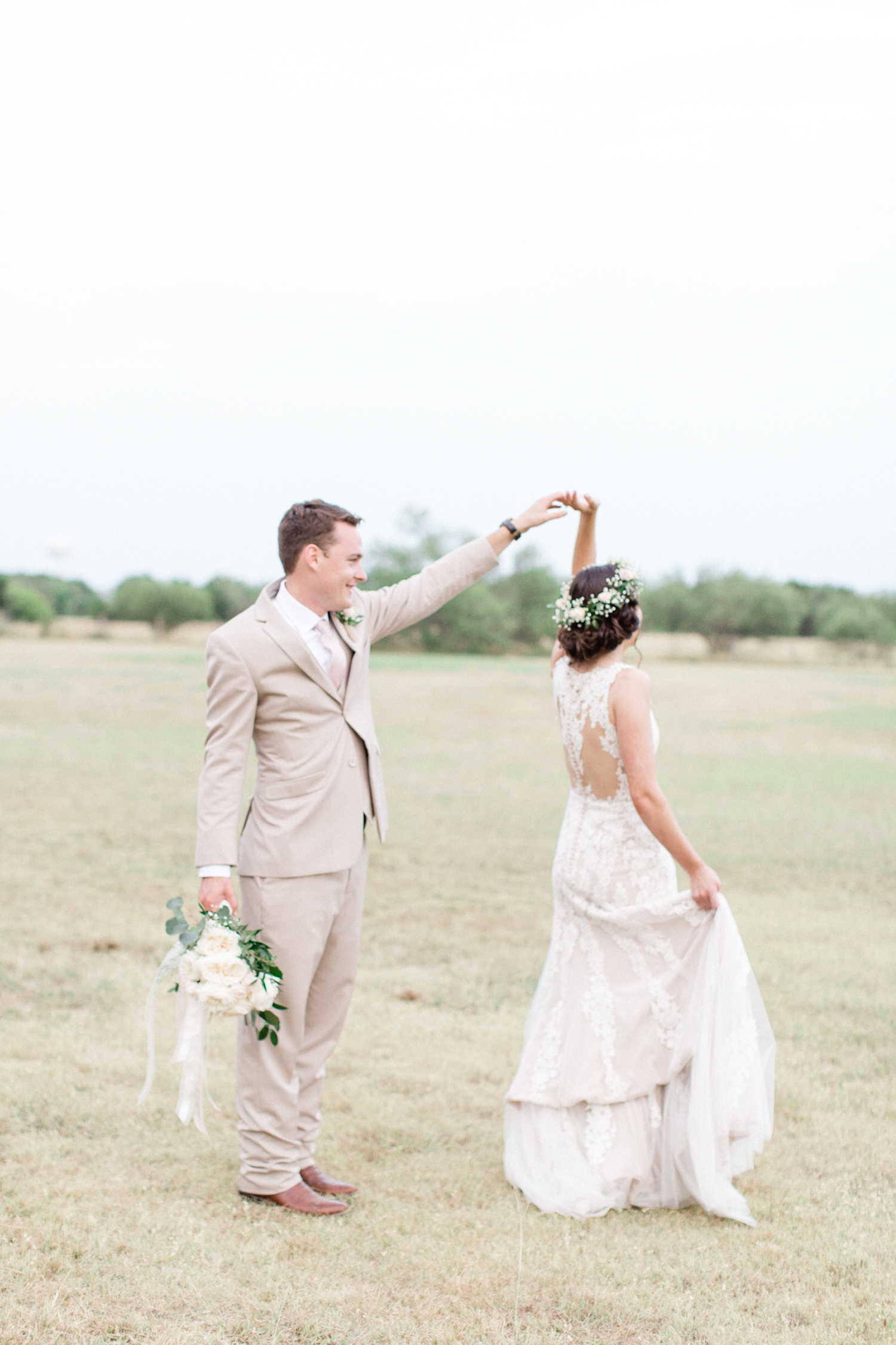 San Antonio Texas Wedding Engagement Photographer Photography Hill Country Texas Old Town Red Bud Hall Summer Blush Ivory Tan Rustic Classic Elegant Wedding San Antonio Austin Texas photographer 61