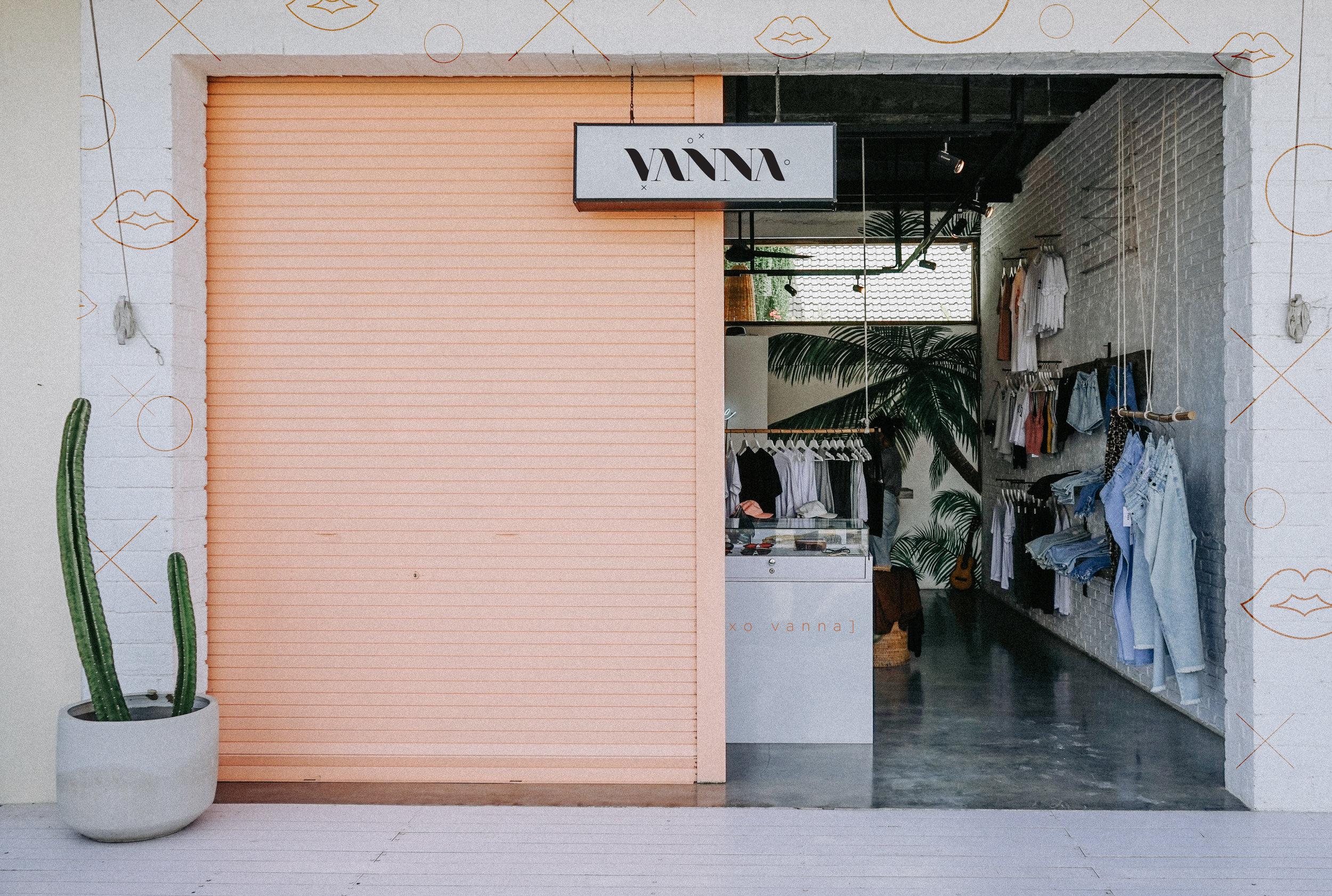 XOXO VANNA |  view full project