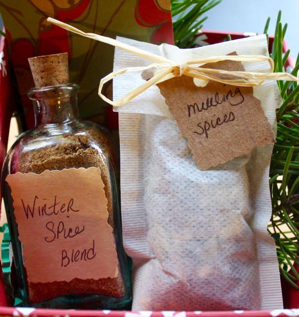 diy holiday spice blend basket (1).jpg