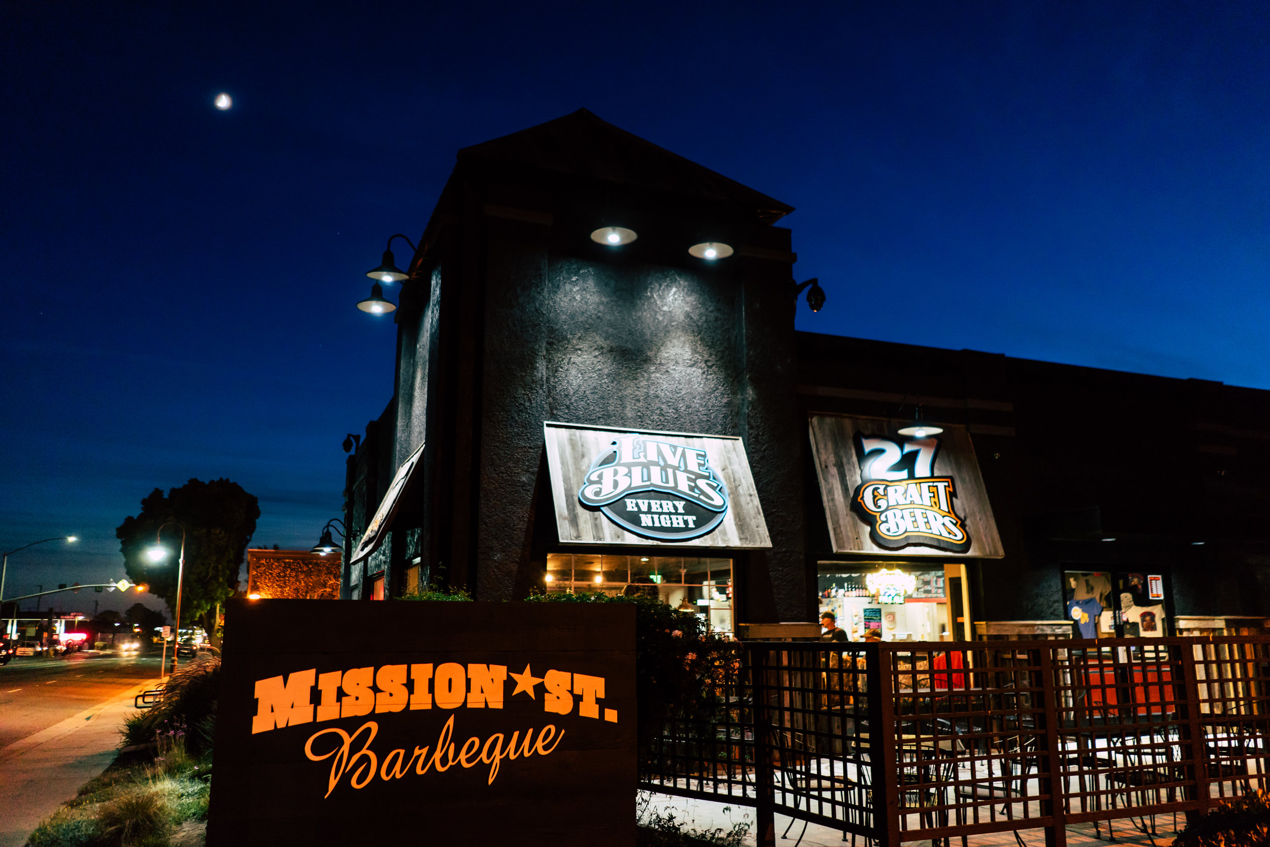 Mission Street BBQ Live Music