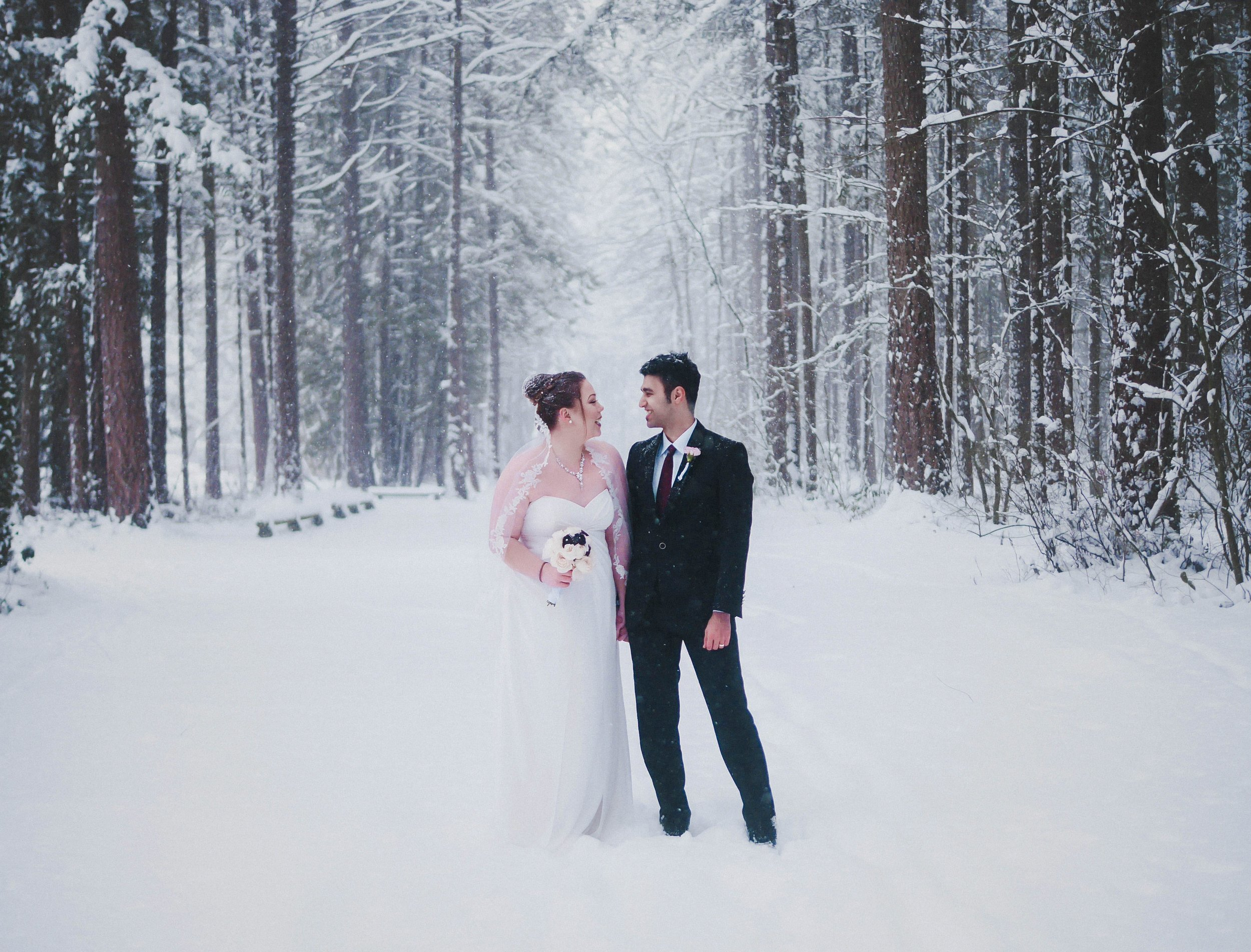 Taylor and Sam    Winter Wedding Photography