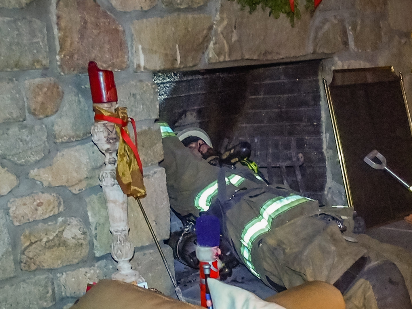 2017.12.21 at 6:00 PM Midway Volunteer Fire Company responded to a chimney fire at a residence on Honey Hollow Road in Solebury Township.There was no apparent structural damage.Neither the residents or first responders were injured at the scene.