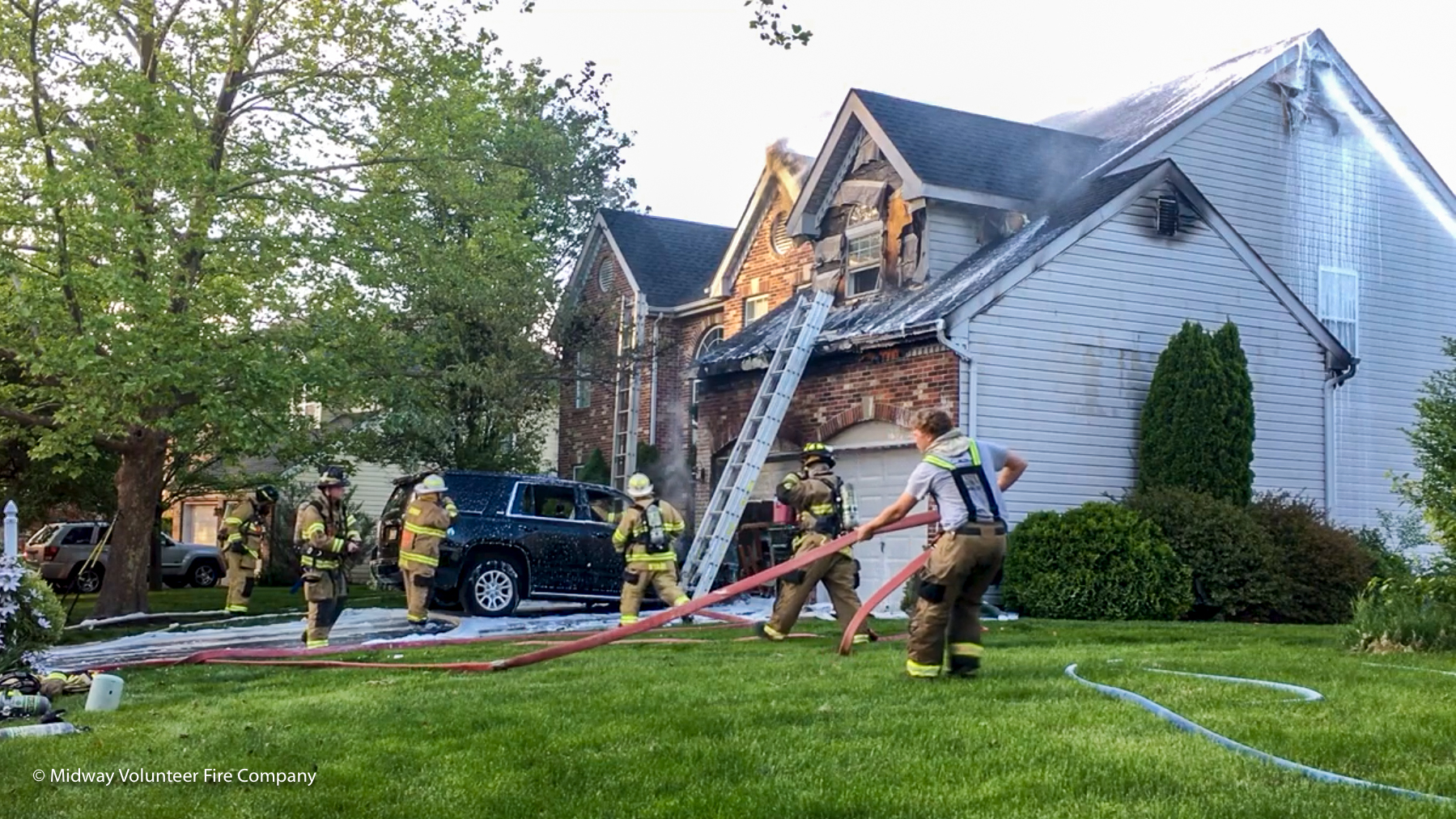2019.05.16 - At 6:43 Midway Volunteer Fire Company responded to the report of an auto and dwelling fire on Daystar Drive in Buckingham Township. Assisting with the call were fire crews from Doylestown and Point Pleasant. There were no injuries reported by residents or first responders. Both the home and auto were damaged. The Buckingham Township Fire Marshal is investigating the source of the fire.