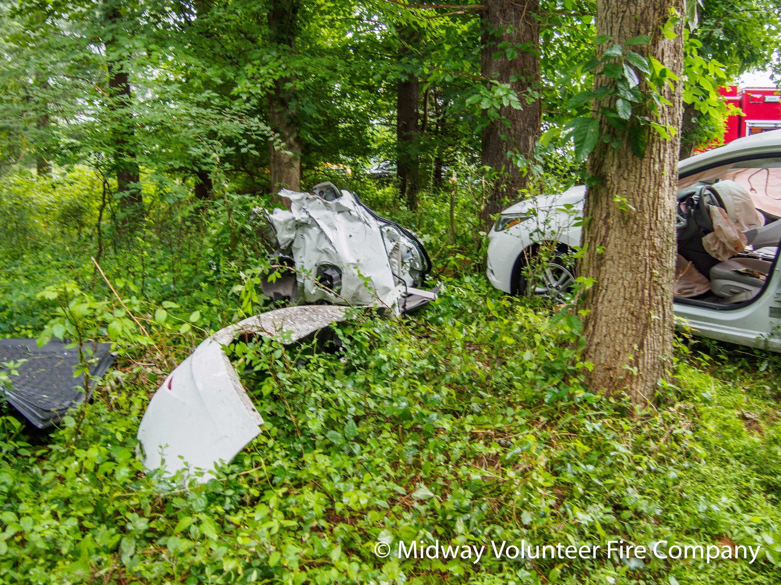 Car Debris Field-P6101235.jpg