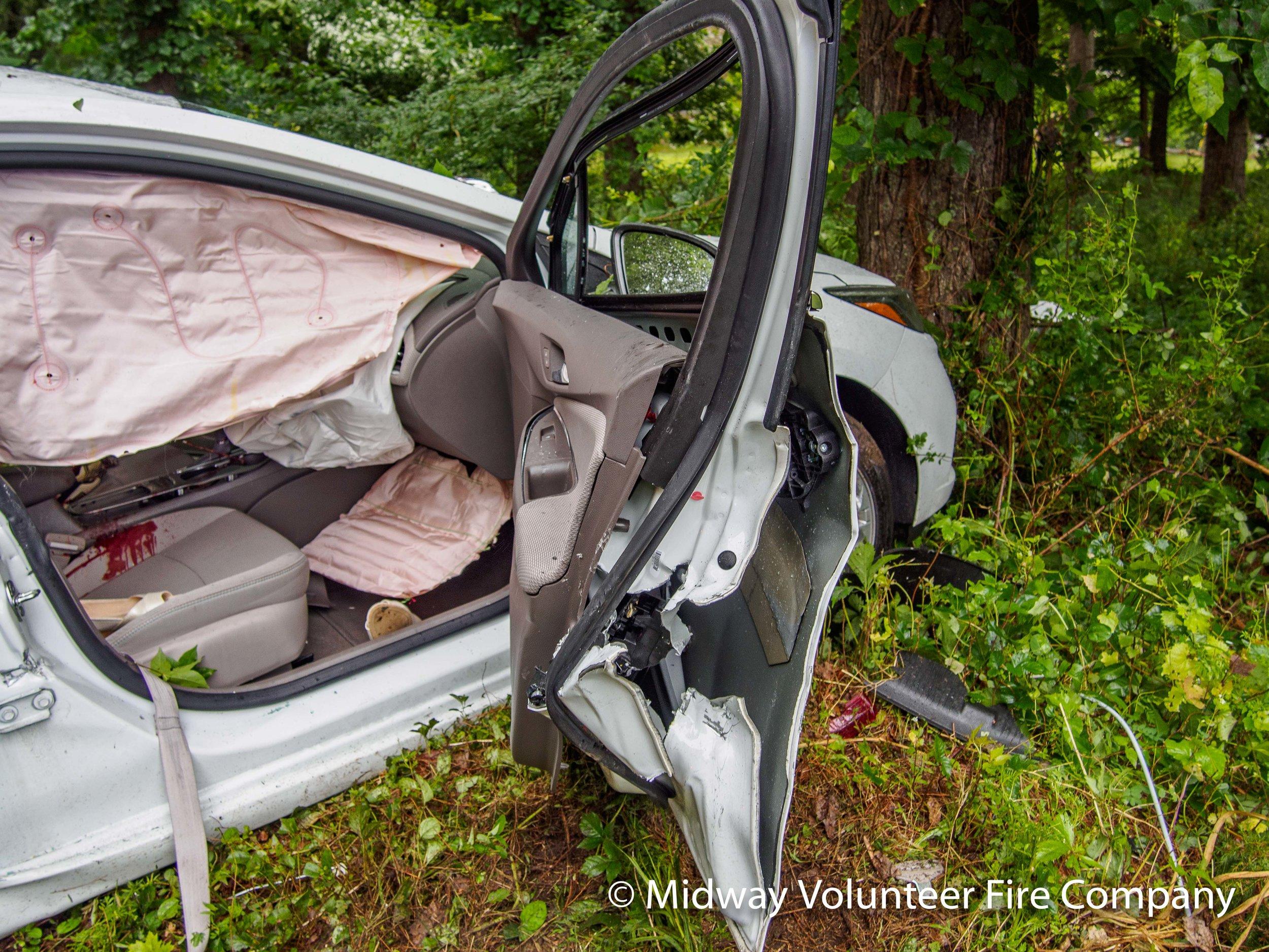 Car Passenger Door-P6101268.jpg
