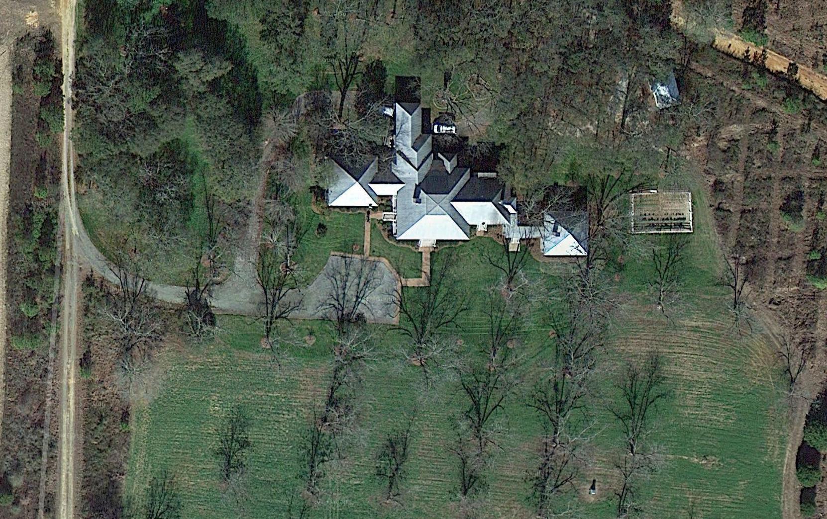 becker_aerial_main-house001 copy 2.jpg