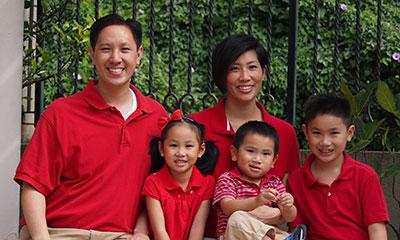 Hong Kong: The Au Family