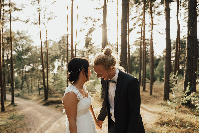 brollopsfotograf-brollop-halmstad-brollopsfoto-falkenberg-halland-wedding-weddingphotographer-bohemiskt-brollop-006.jpg