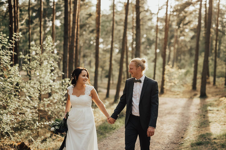 brollopsfotograf-brollop-halmstad-brollopsfoto-falkenberg-halland-wedding-weddingphotographer-bohemiskt-brollop-009.jpg