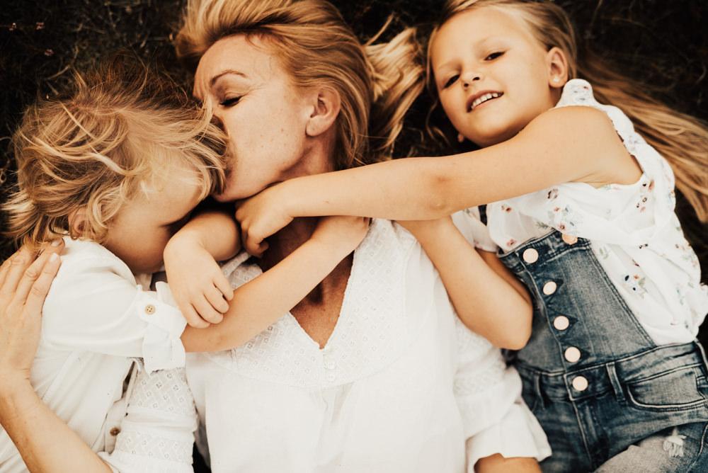 Linnsej-Photography-fotograf-halmstad-familjefotograf-familjefotografering-barnfotograf-syskonfotografering-sommar-i-halmstad-tylosand-frosakull-0005.jpg