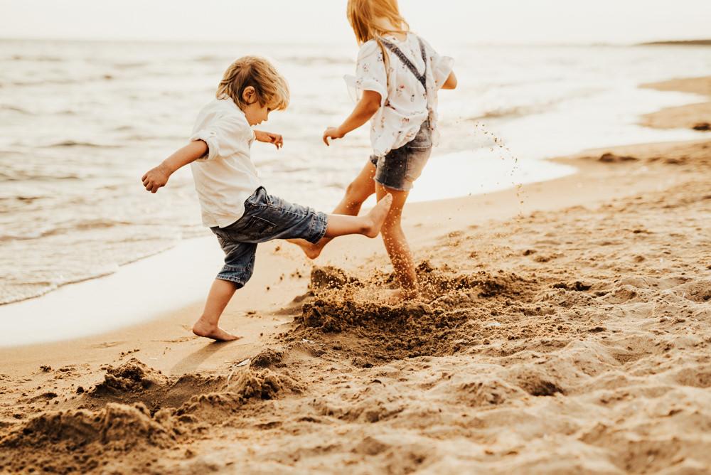 Linnsej-Photography-fotograf-halmstad-familjefotograf-familjefotografering-barnfotograf-syskonfotografering-sommar-i-halmstad-tylosand-frosakull-0010.jpg