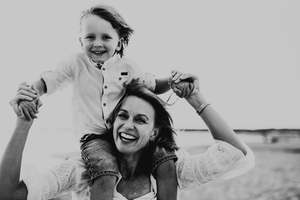 Linnsej-Photography-fotograf-halmstad-familjefotograf-familjefotografering-barnfotograf-syskonfotografering-sommar-i-halmstad-tylosand-frosakull-0012.jpg