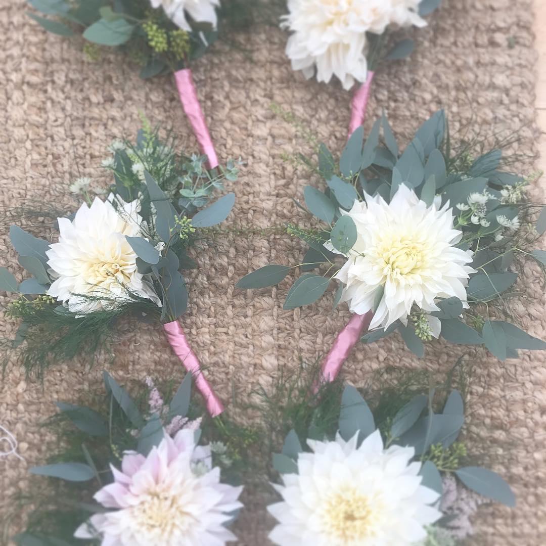 singledahliabridesmaidflowers.jpg