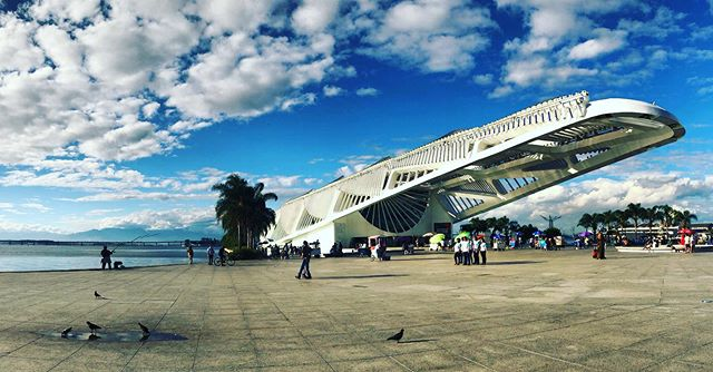 Arrived early for one of my fieldwork interviews with a judge about custody hearings & so had a quick look around this amazing building - #TheMuseumOfTomorrow #MuseuDoAmanhã