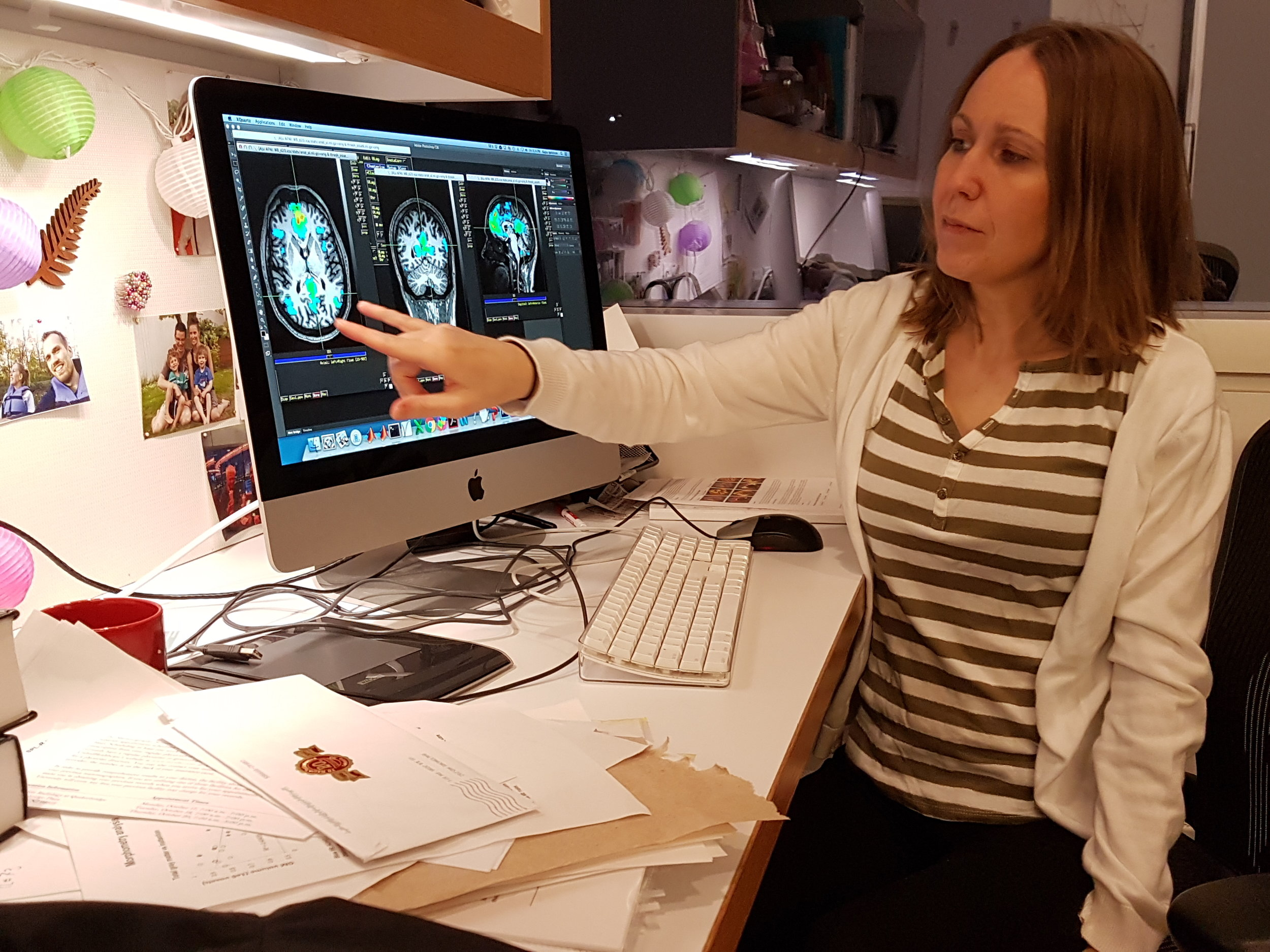 Kajsa trying to look pedagogical in her office at the Princeton Neuroscience Institute (2017)