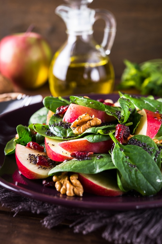 Spinach, walnut and apple salad witrh dressing.jpg