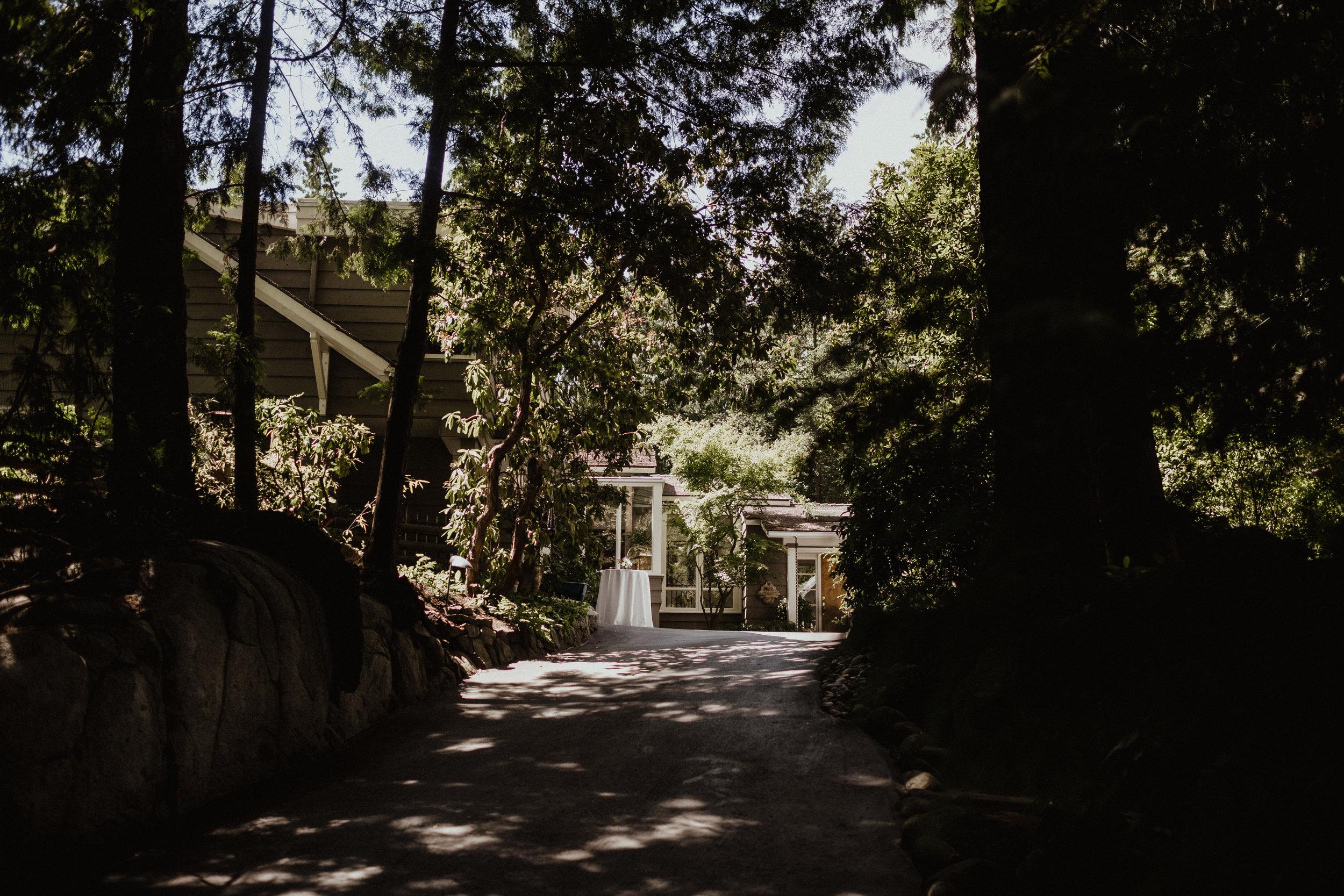 west-vancouver-backyard-wedding-1.jpg