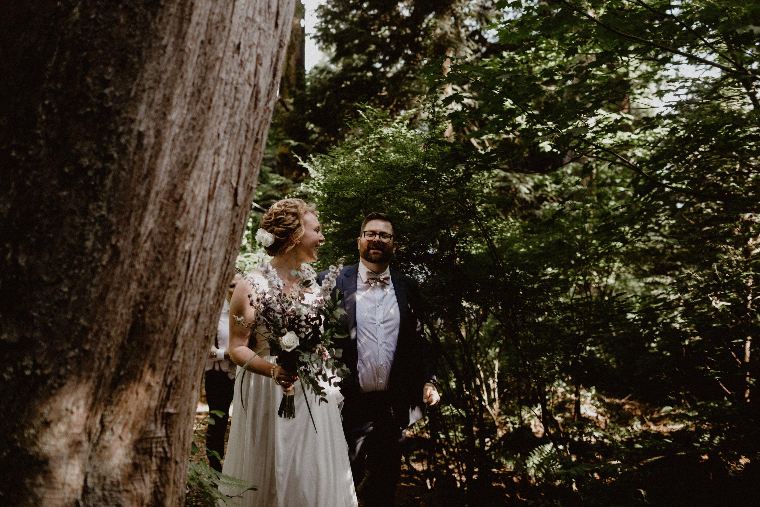 west-vancouver-backyard-wedding-130.jpg