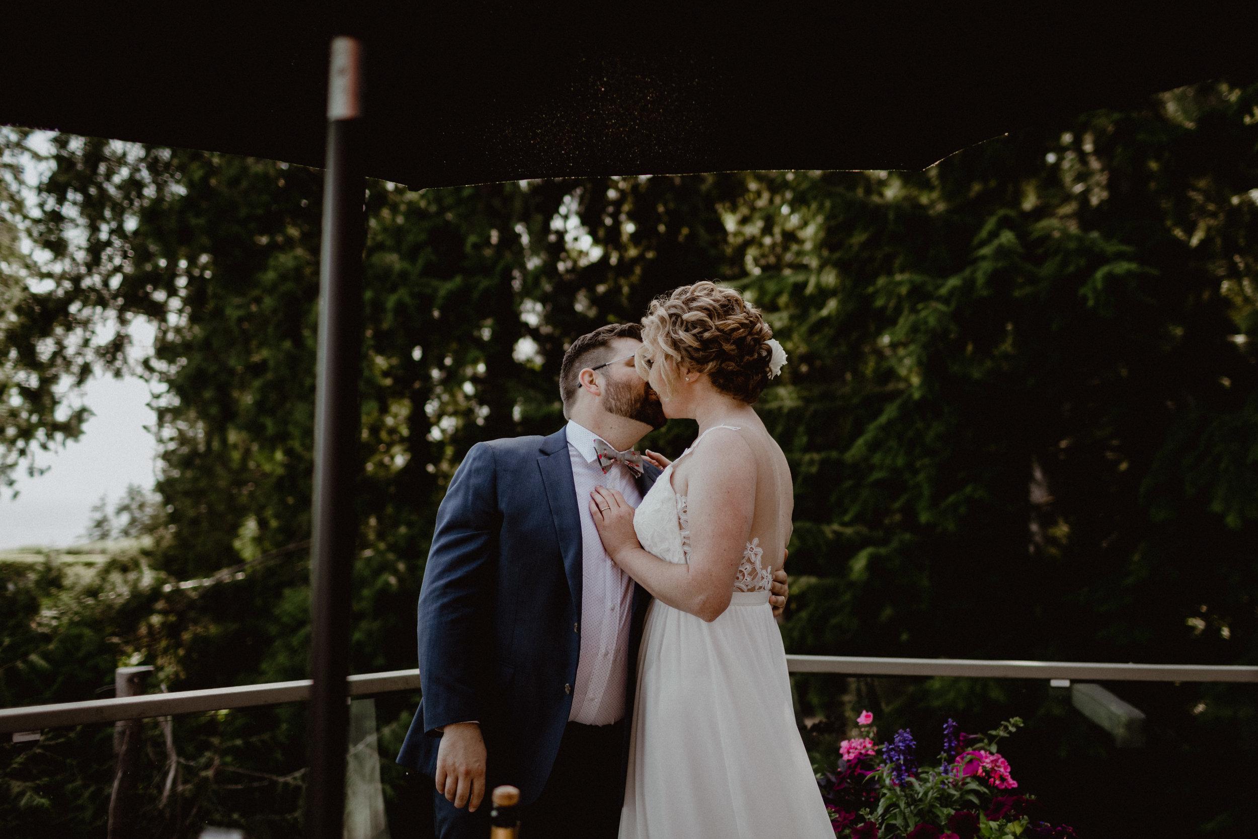 west-vancouver-backyard-wedding-138.jpg
