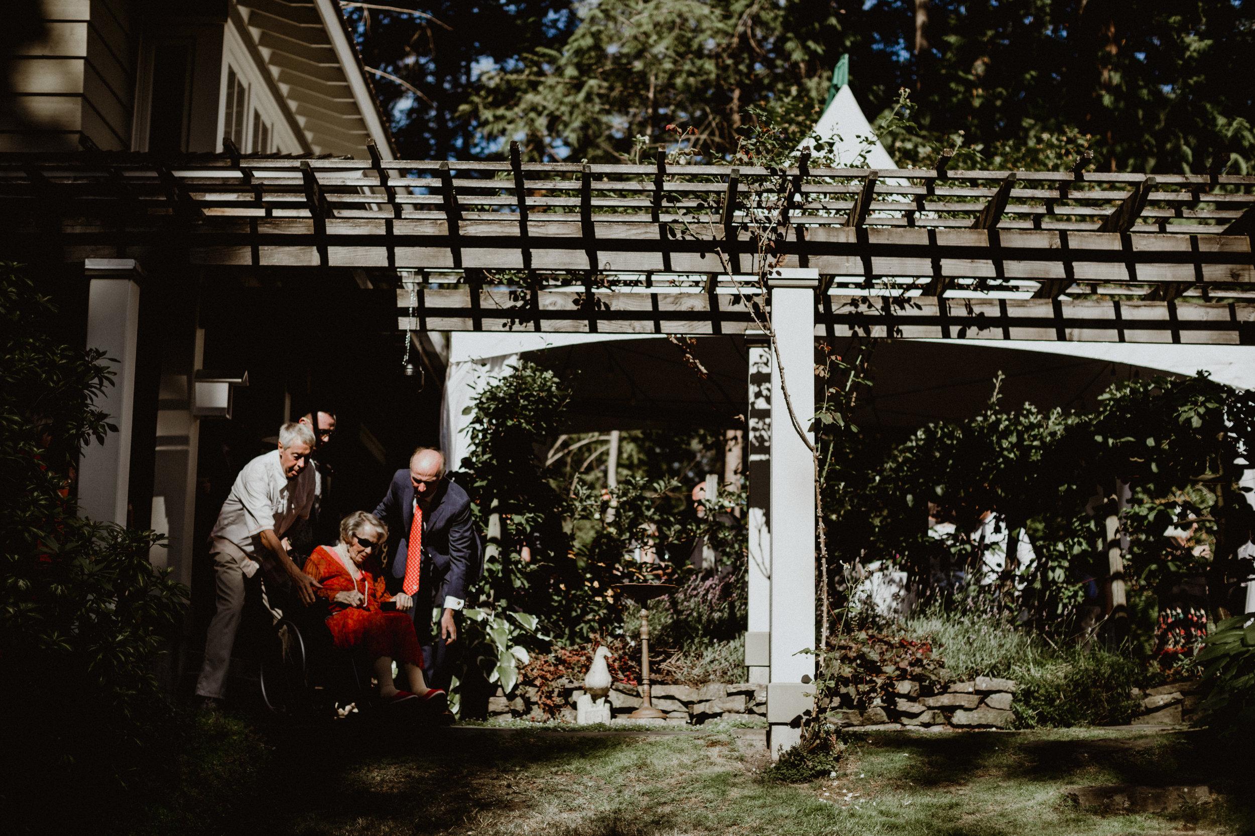 west-vancouver-backyard-wedding-149.jpg