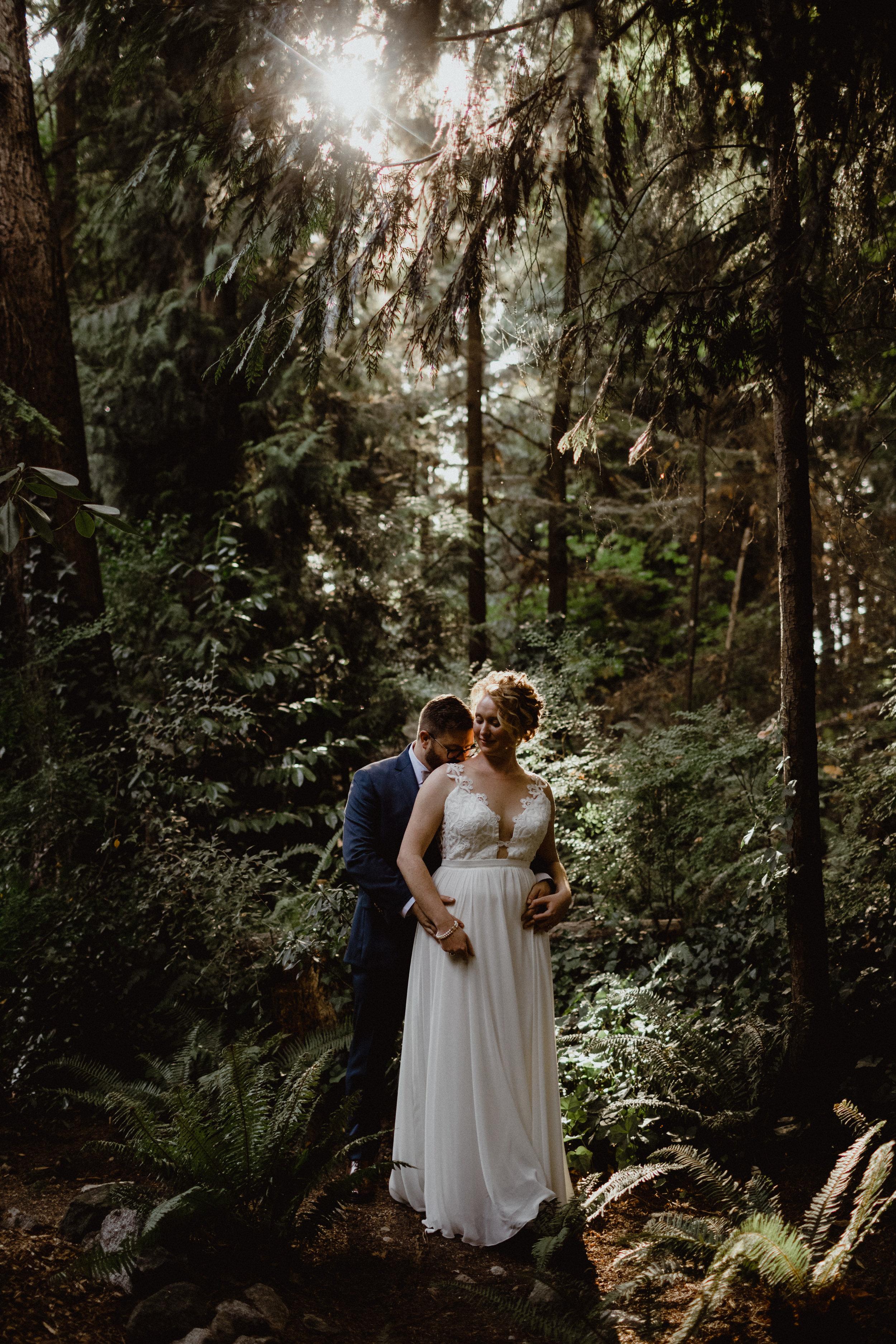 west-vancouver-backyard-wedding-188.jpg