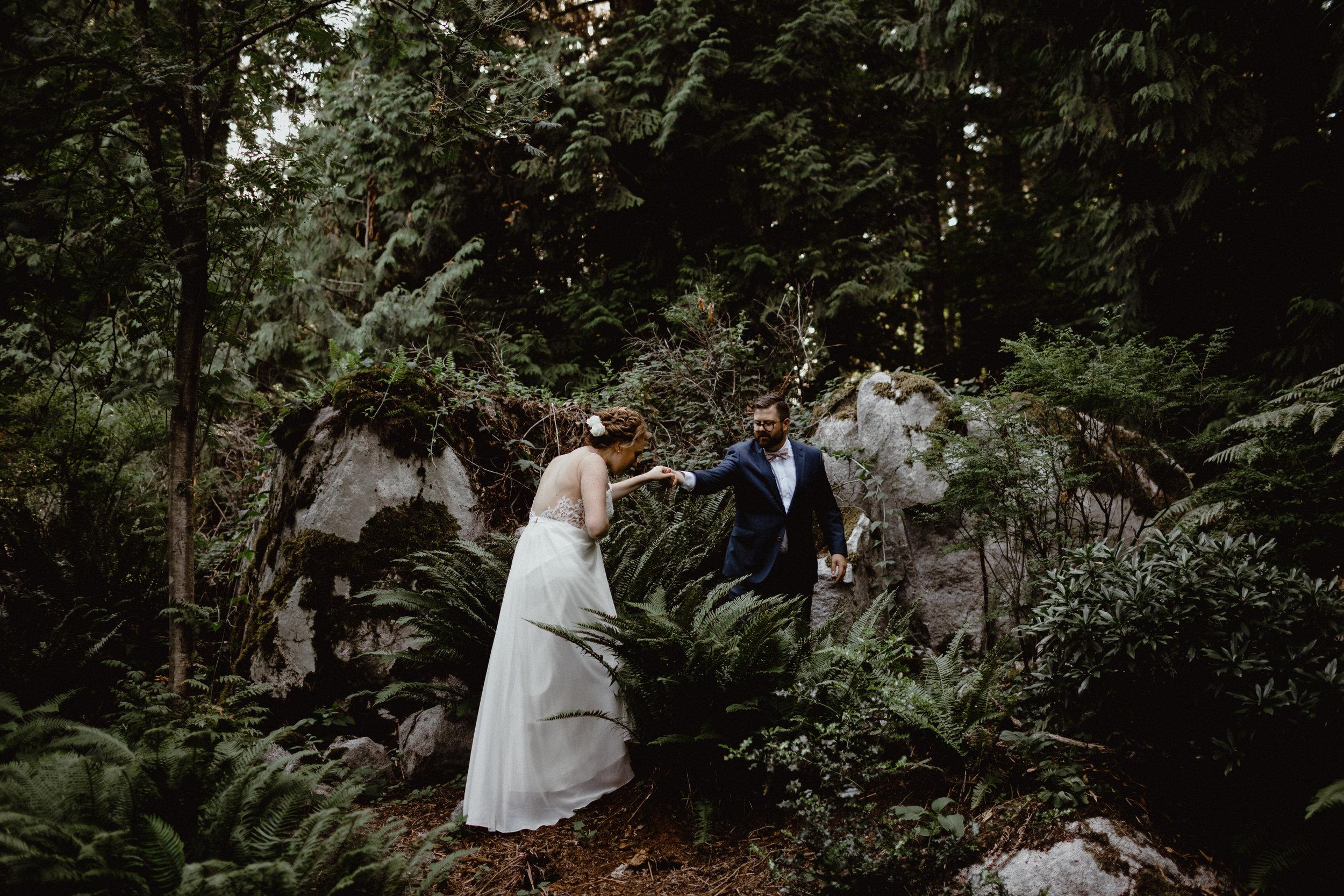 west-vancouver-backyard-wedding-199.jpg