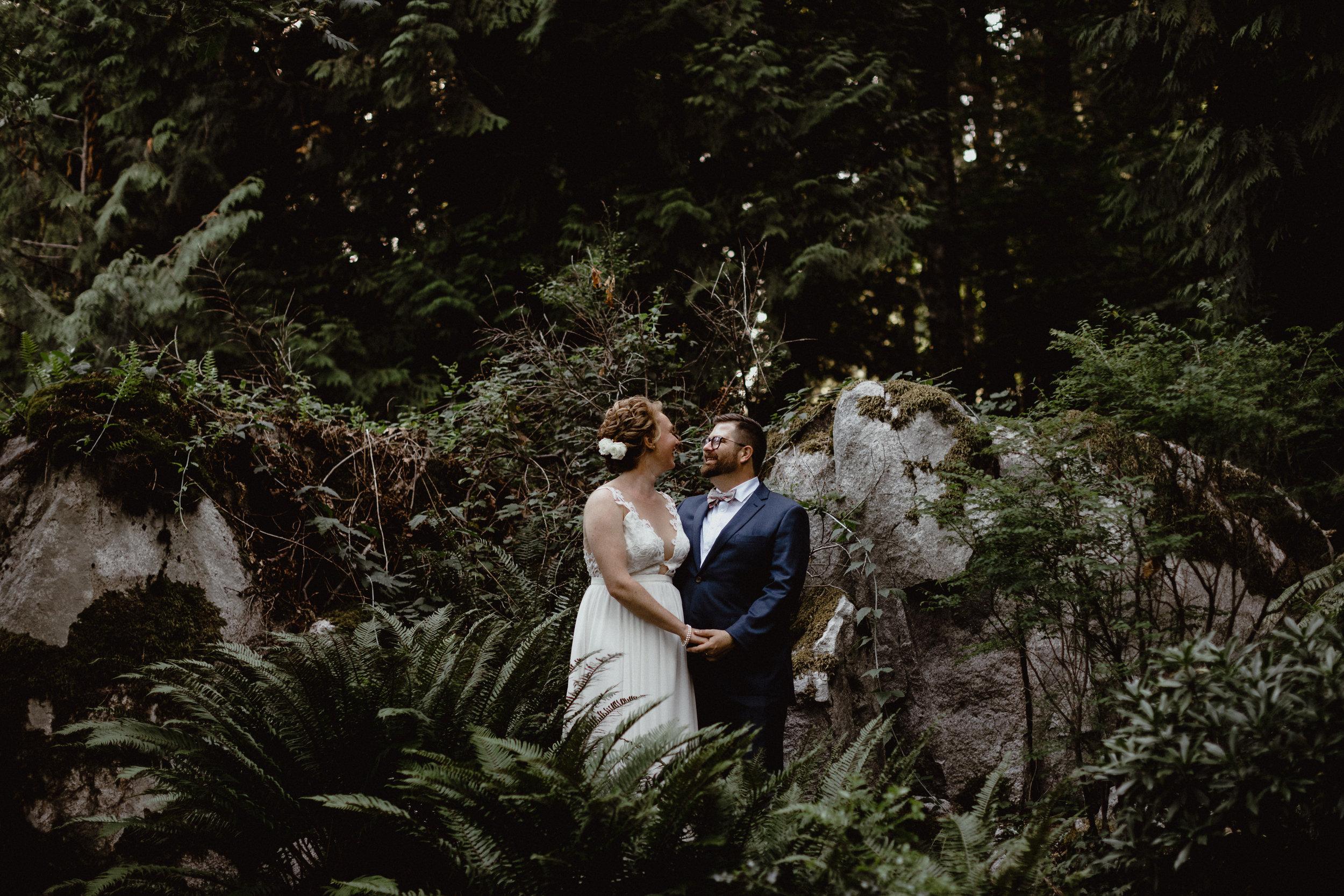west-vancouver-backyard-wedding-200.jpg