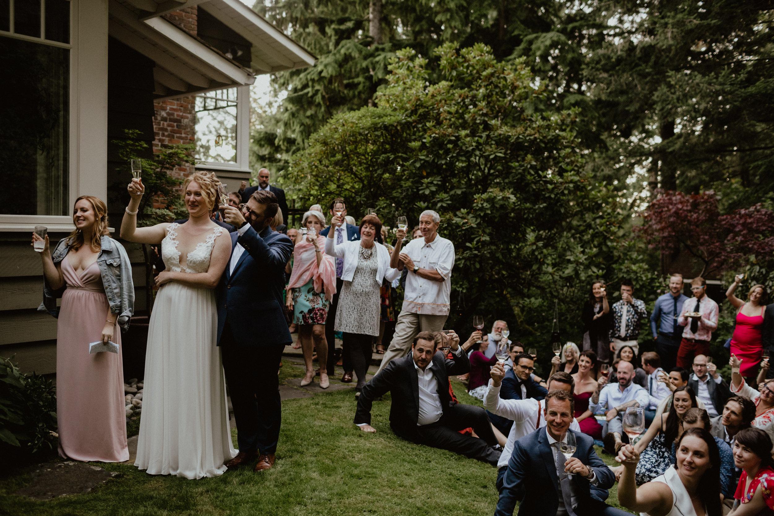 west-vancouver-backyard-wedding-256.jpg