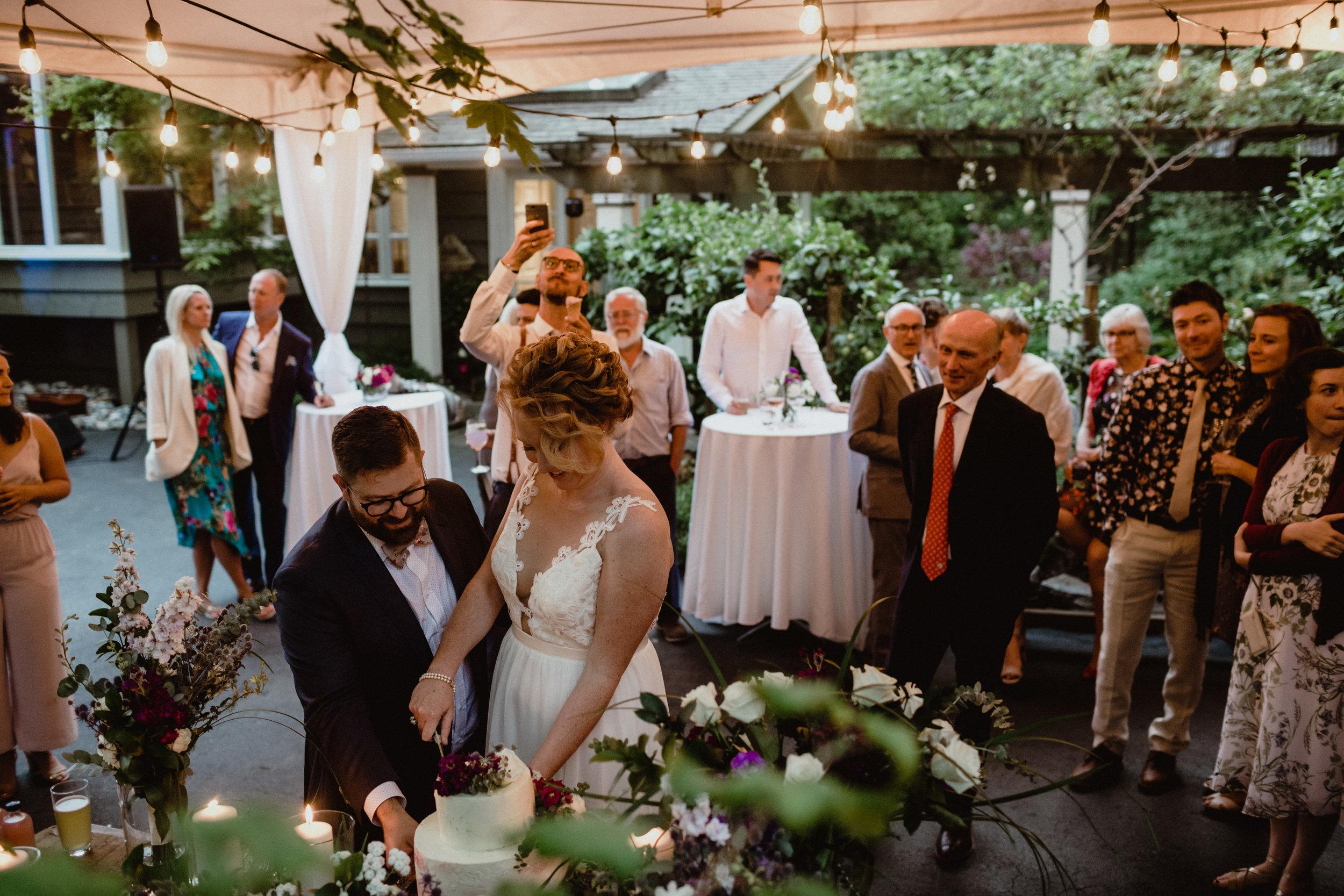 west-vancouver-backyard-wedding-271.jpg