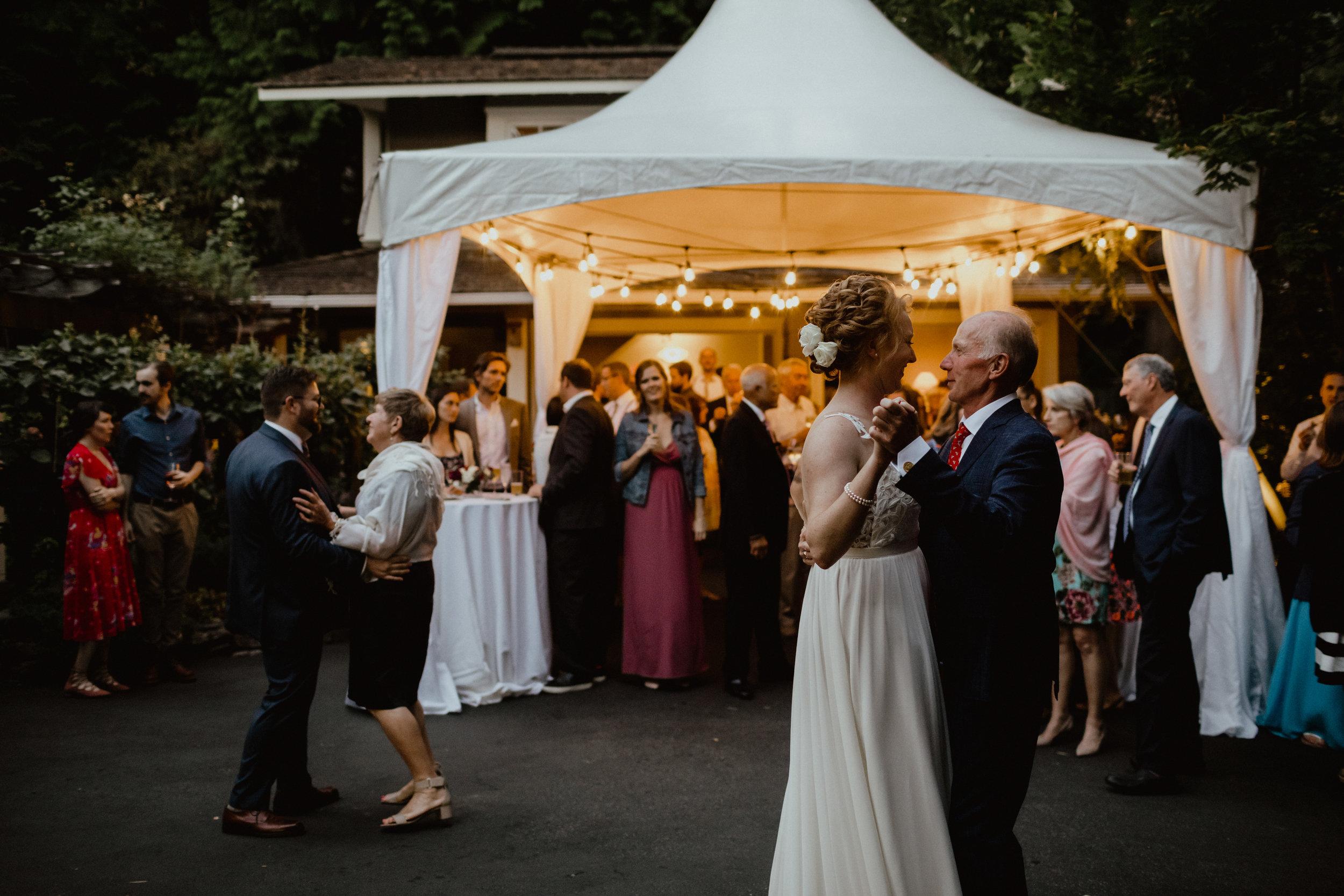 west-vancouver-backyard-wedding-275.jpg