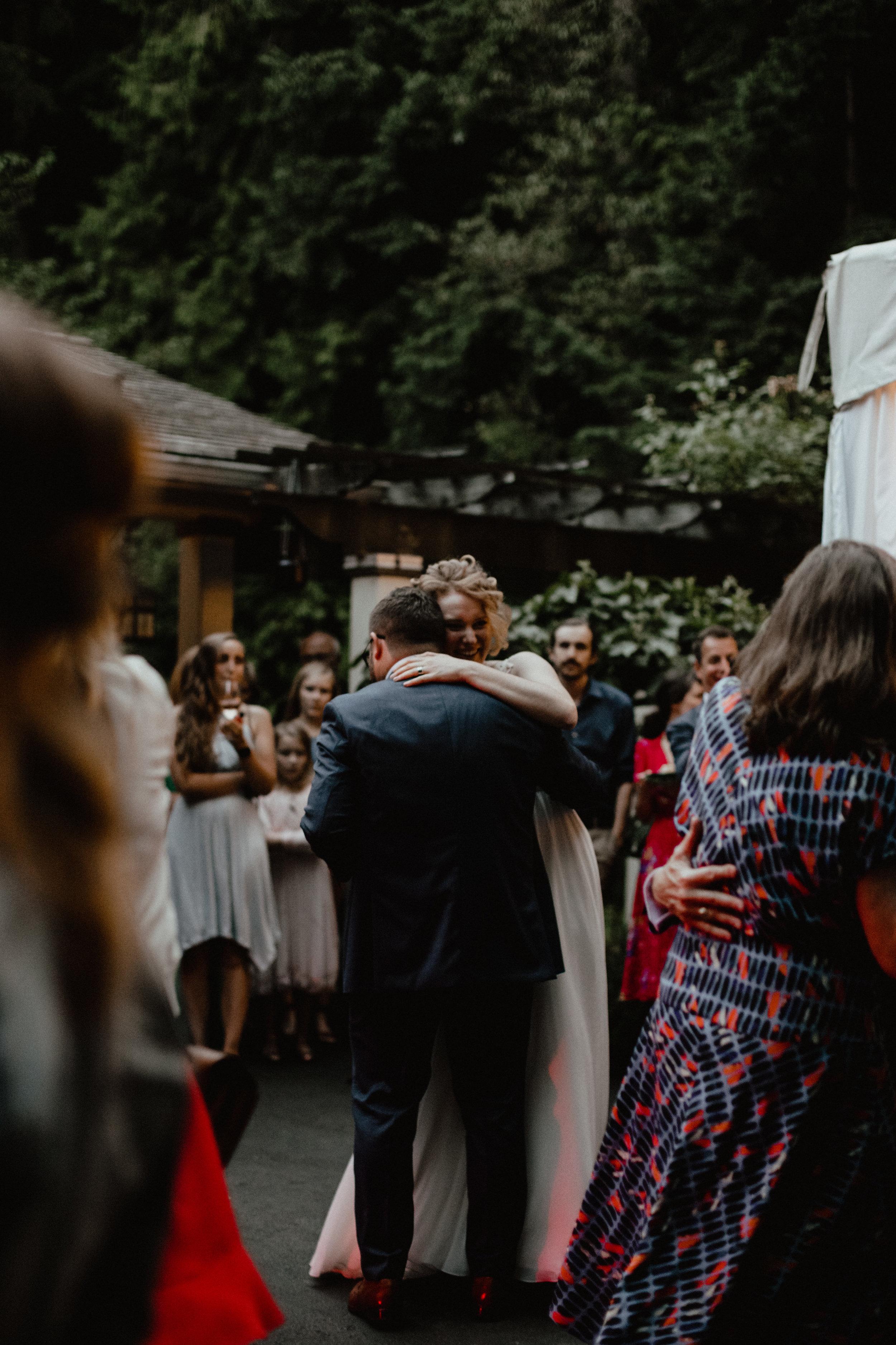 west-vancouver-backyard-wedding-300.jpg