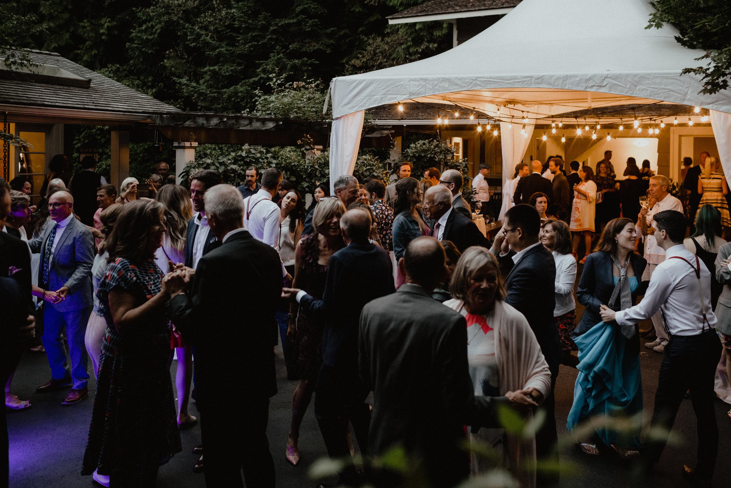west-vancouver-backyard-wedding-302.jpg