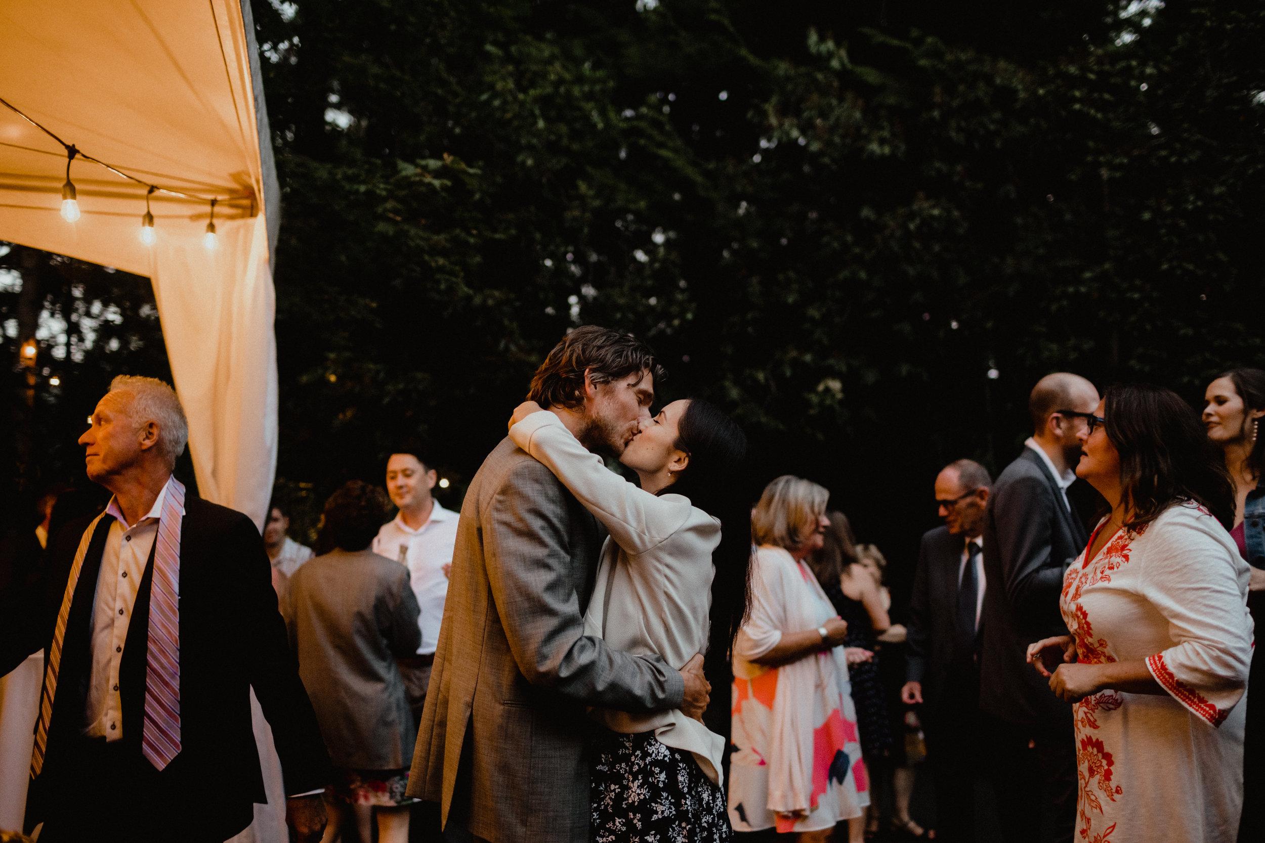 west-vancouver-backyard-wedding-307.jpg