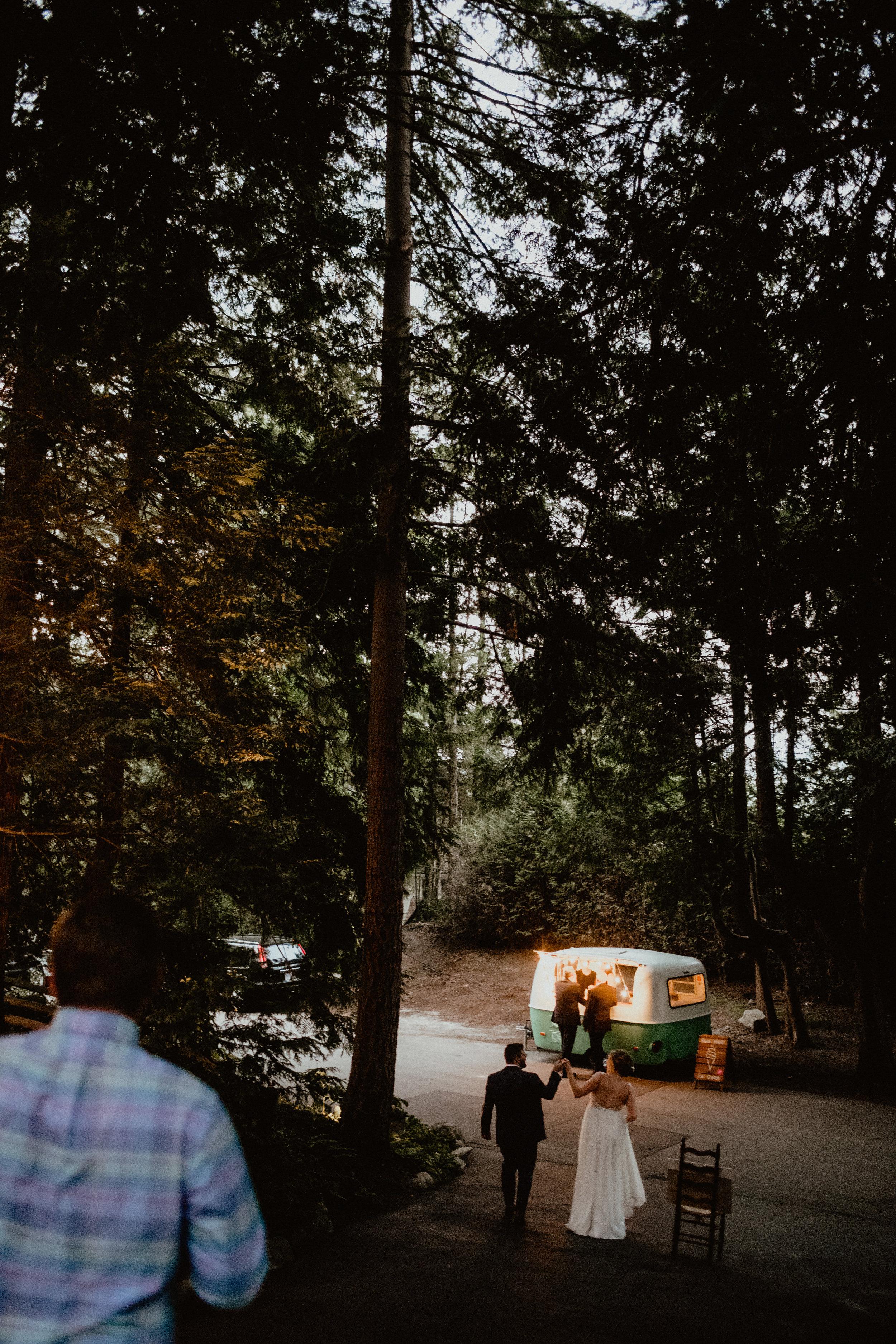 west-vancouver-backyard-wedding-310.jpg