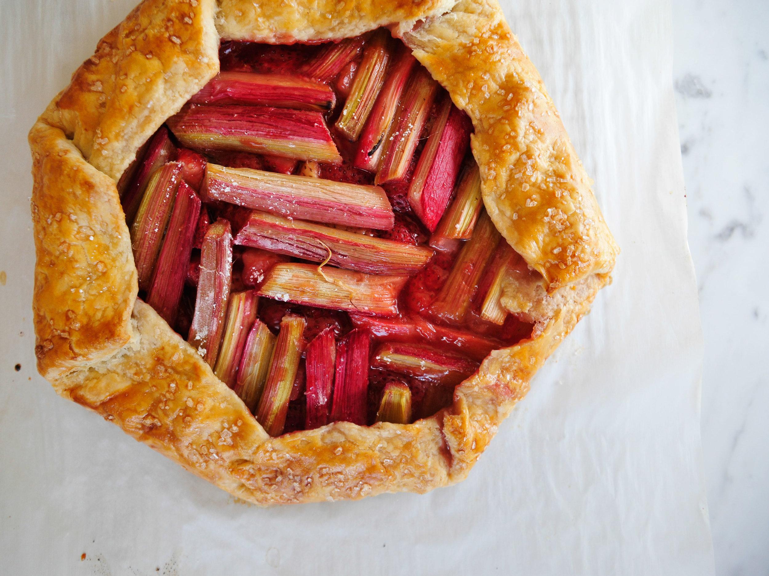 bowtiebaking-strawberry-rhubarb-galette-1