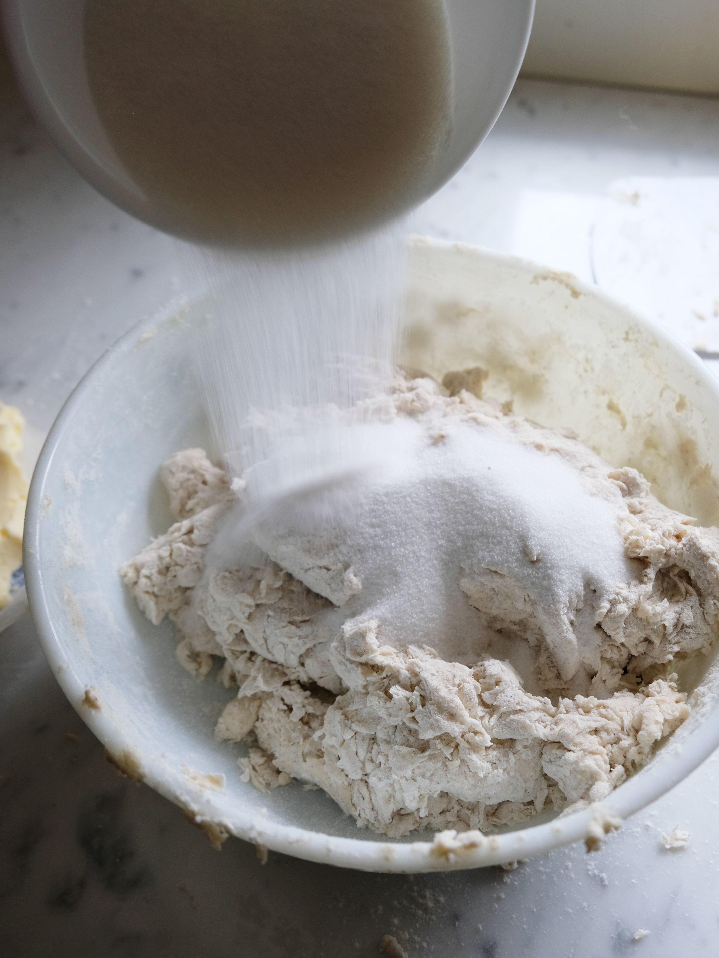 Copy of bowtiebaking-cinnamon-swirls-02