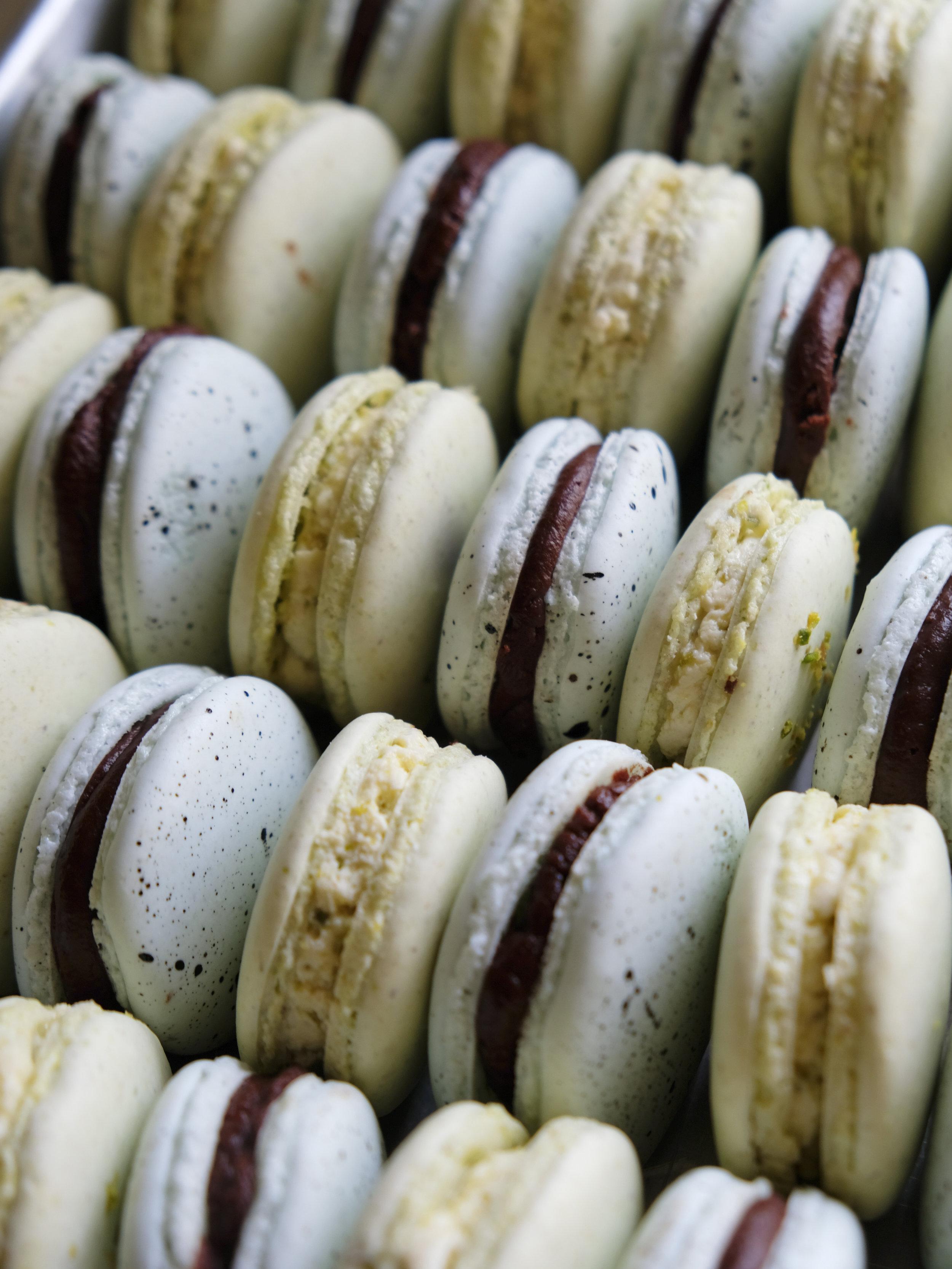 bowtiebaking-pistachio-macarons-14