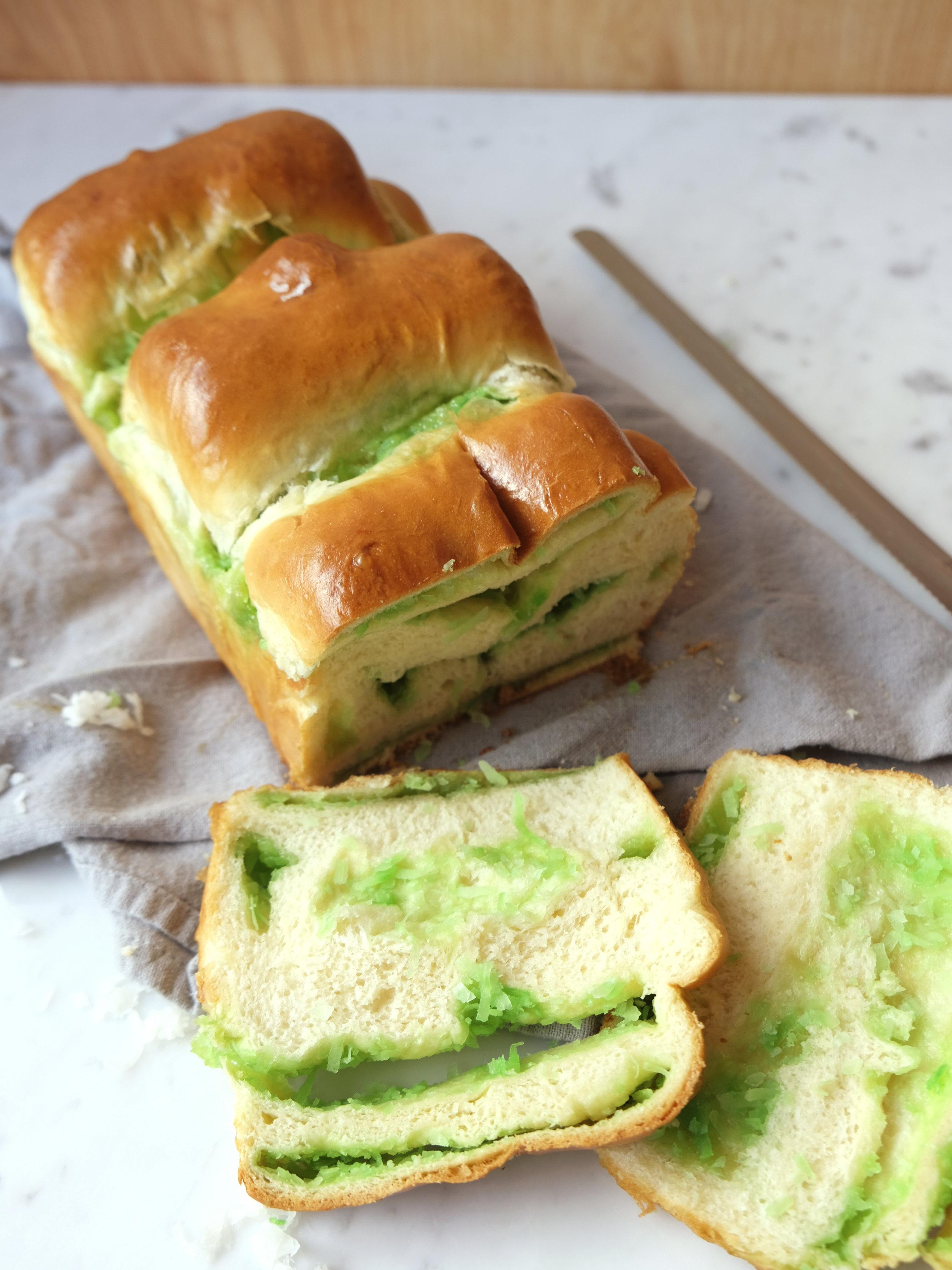 bowtiebaking-pandan-coconut-hokkaido-milk-bread-14