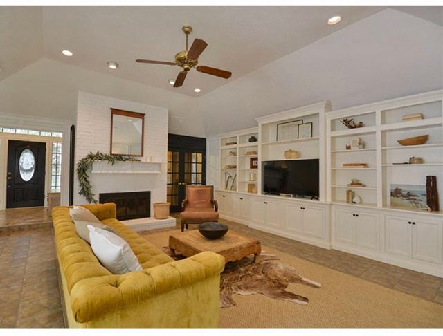 More living room before and after realtor pics... fun to see the transition!