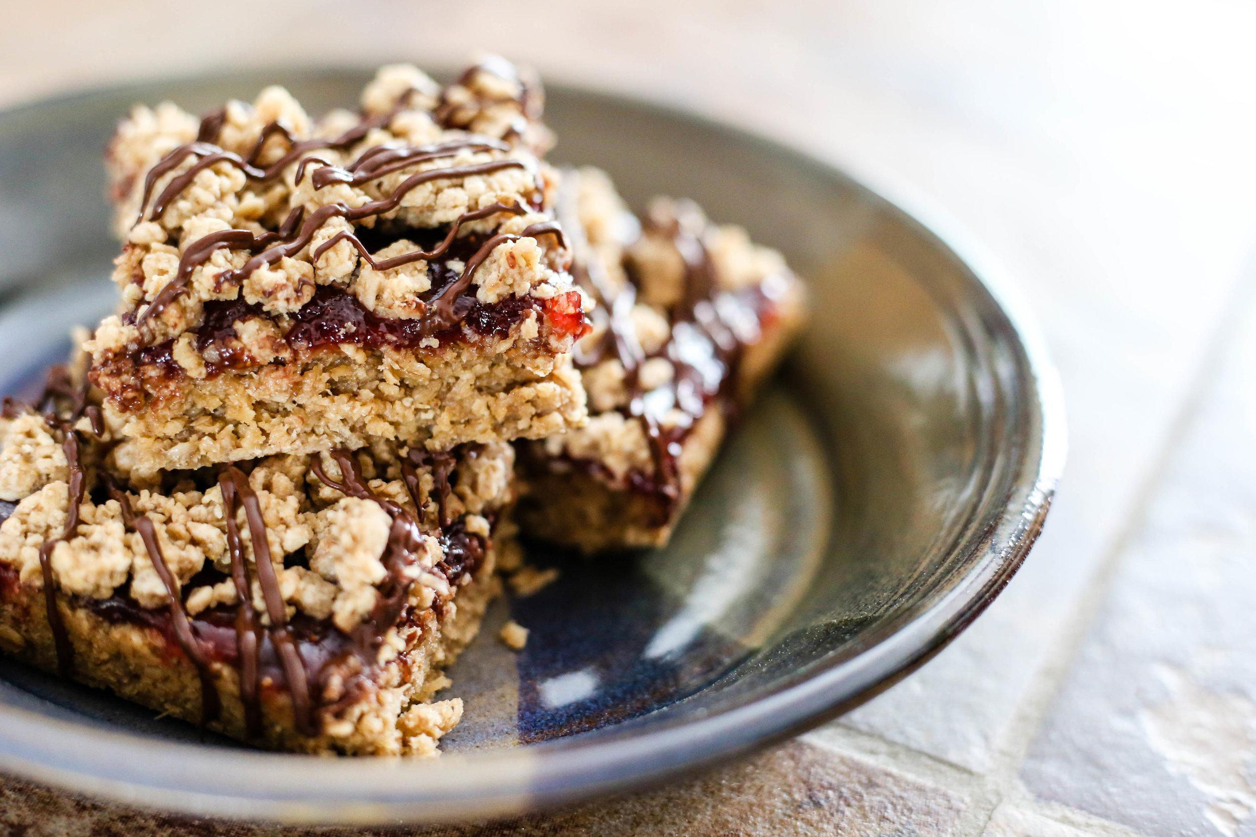 Chocolate CoveredStrawberry Oat Bars -
