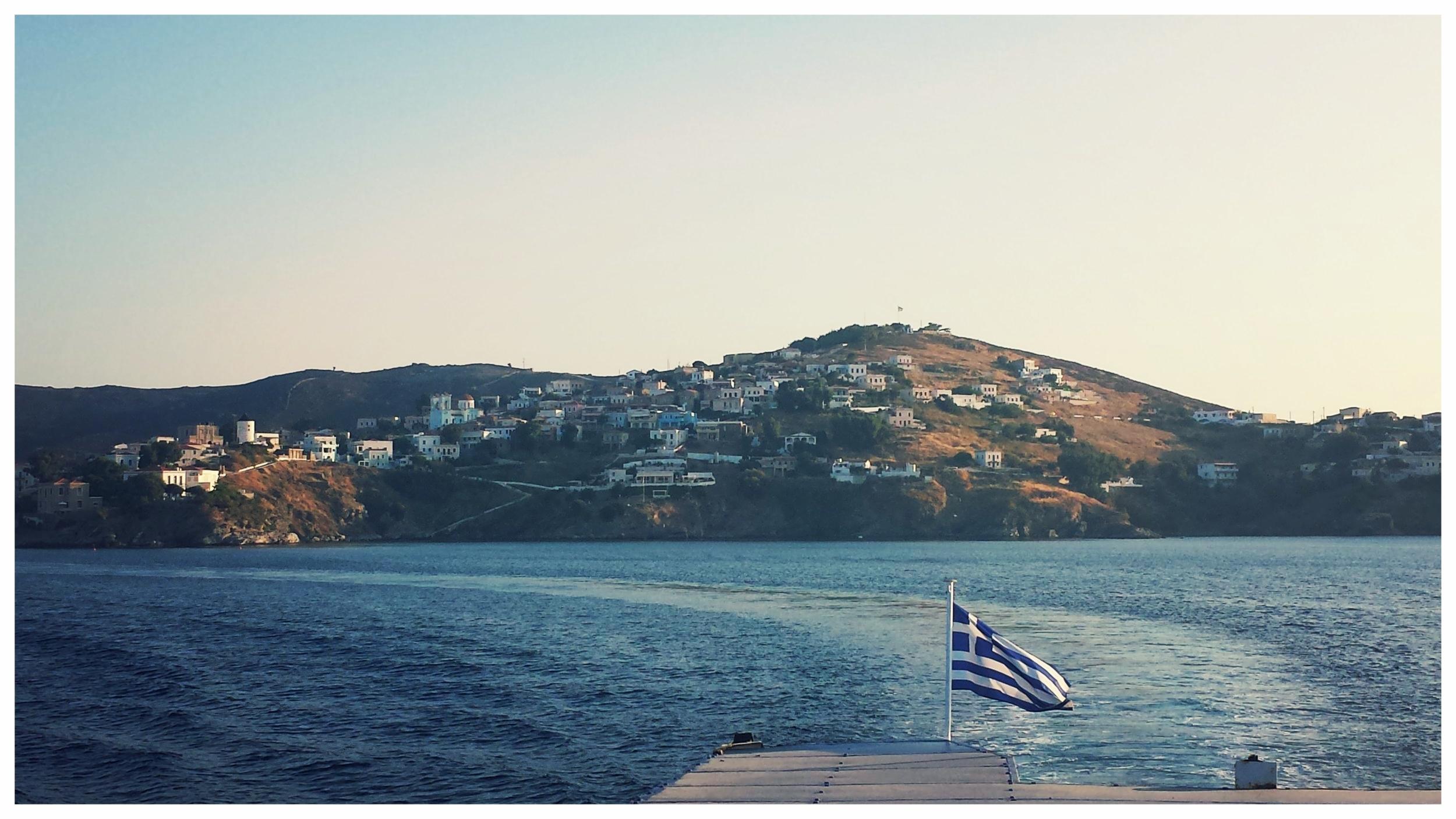 Ferry leaving the island. Yiassou!