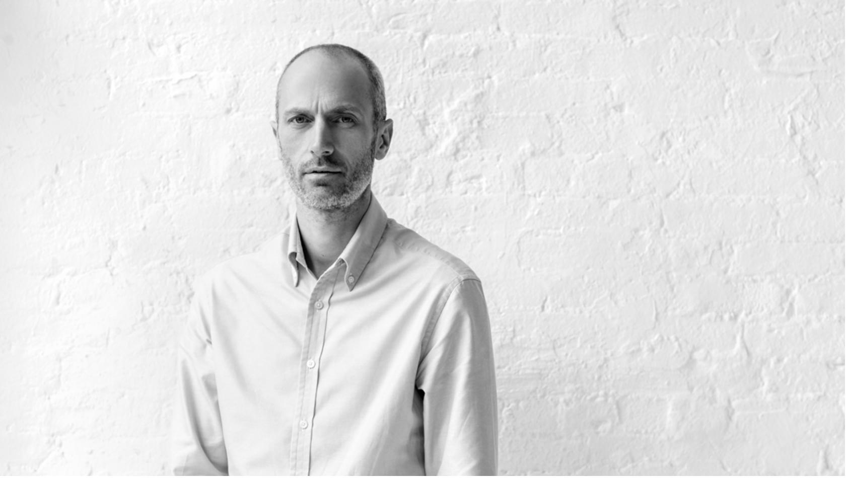 AERA STYLE MAGAZINE, 08.30.2017  Interview with Mark Weston, Dunhill   クラシックを定義する。ダンヒル