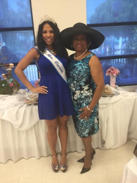 Mrs. California 2017 with City of Carson Mayor Pro Tempore Lula Davis-Holmes.