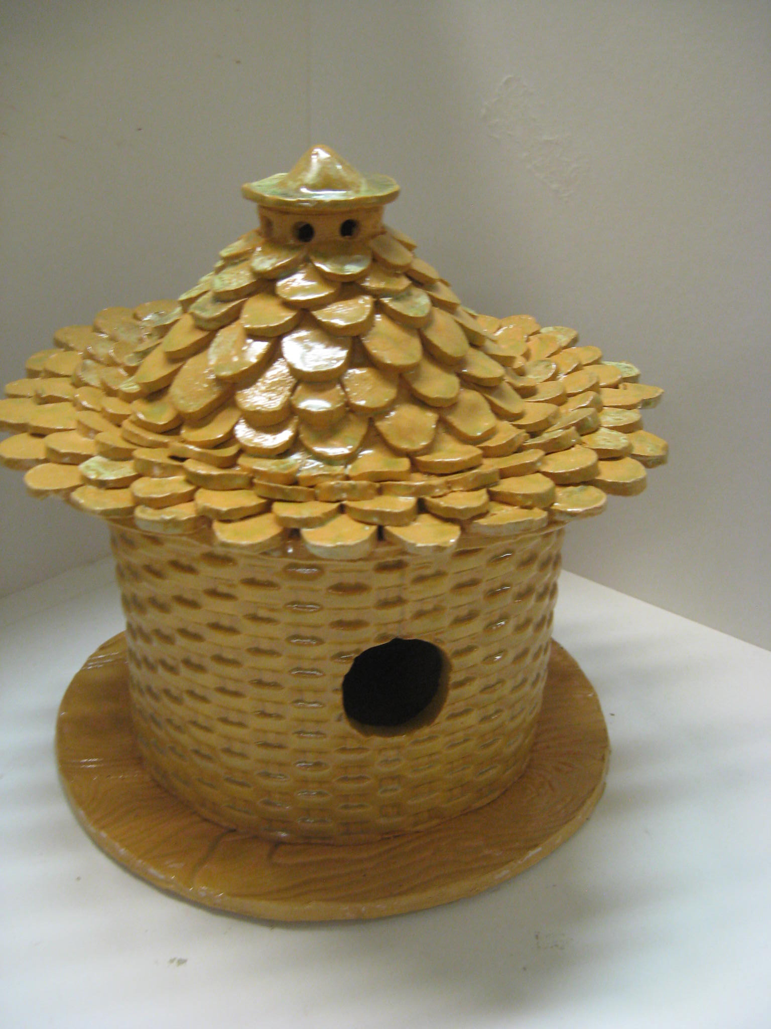 birdhouse bee.jpg