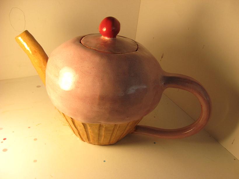 teapot cupcake.jpg