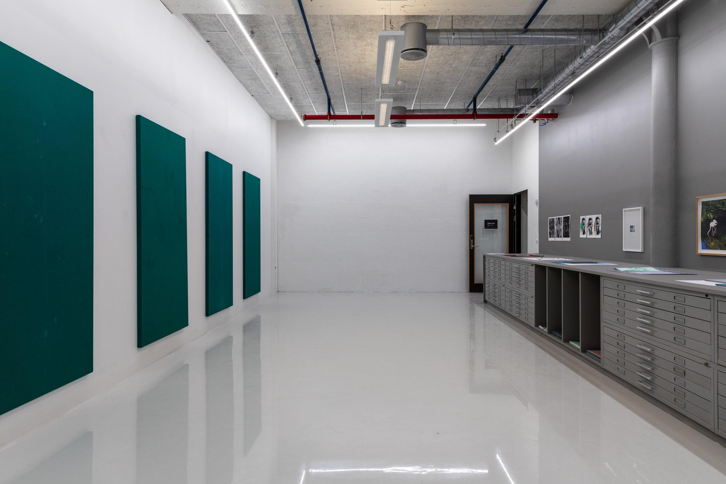 ARKIVET - Arkivet, er Tou Trykk sitt eget utstillingsrom, og skal bidra til å løfte frem grafikk for et bredt publikum.