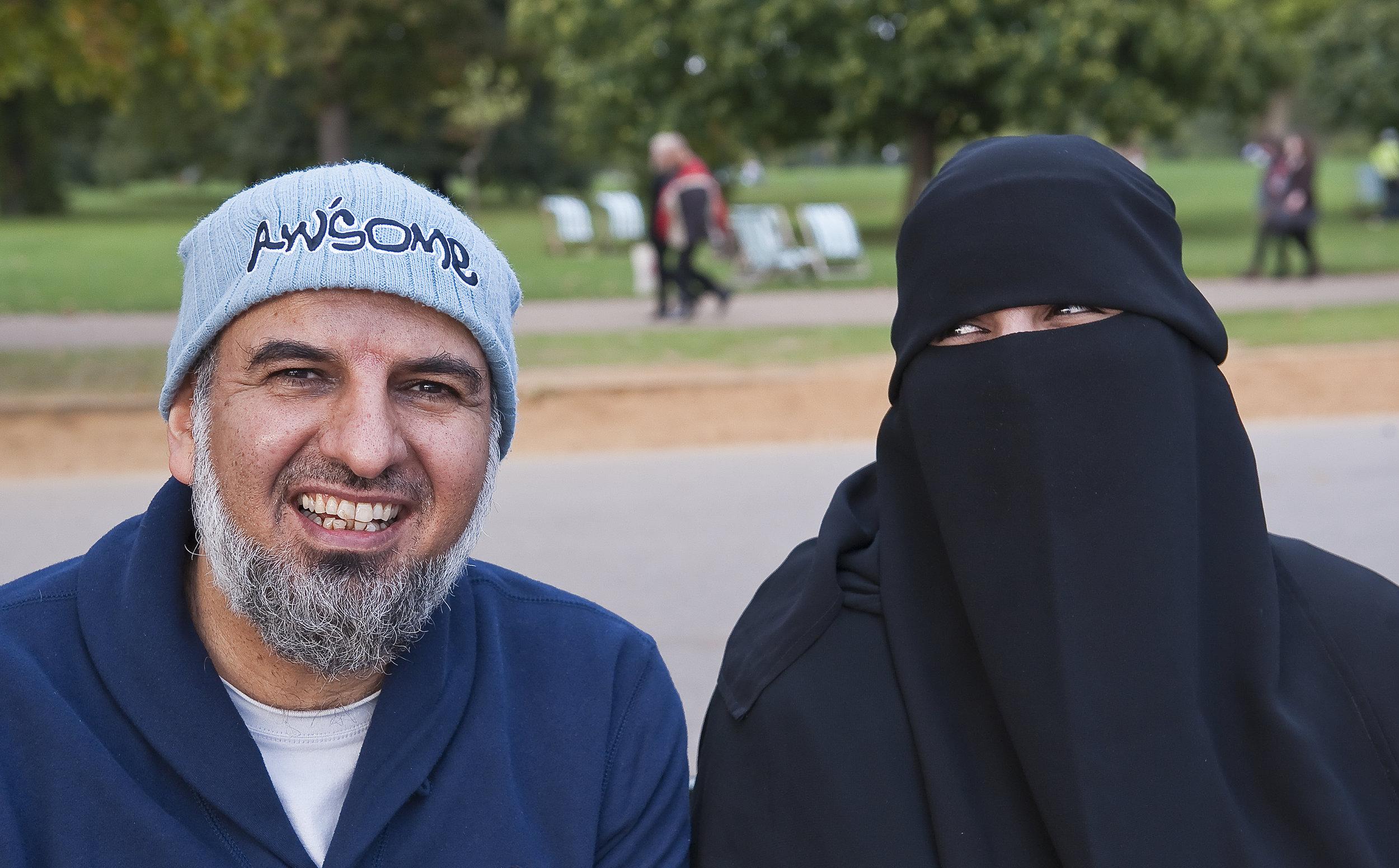 Muslim couple in London for ANWB Reiz& magazine