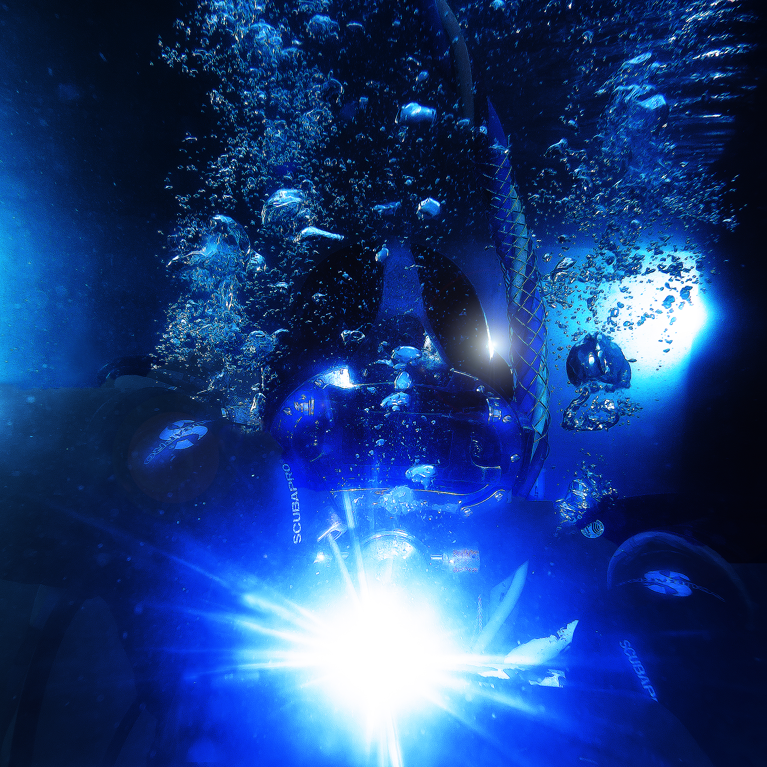 Army diver with underwater welding